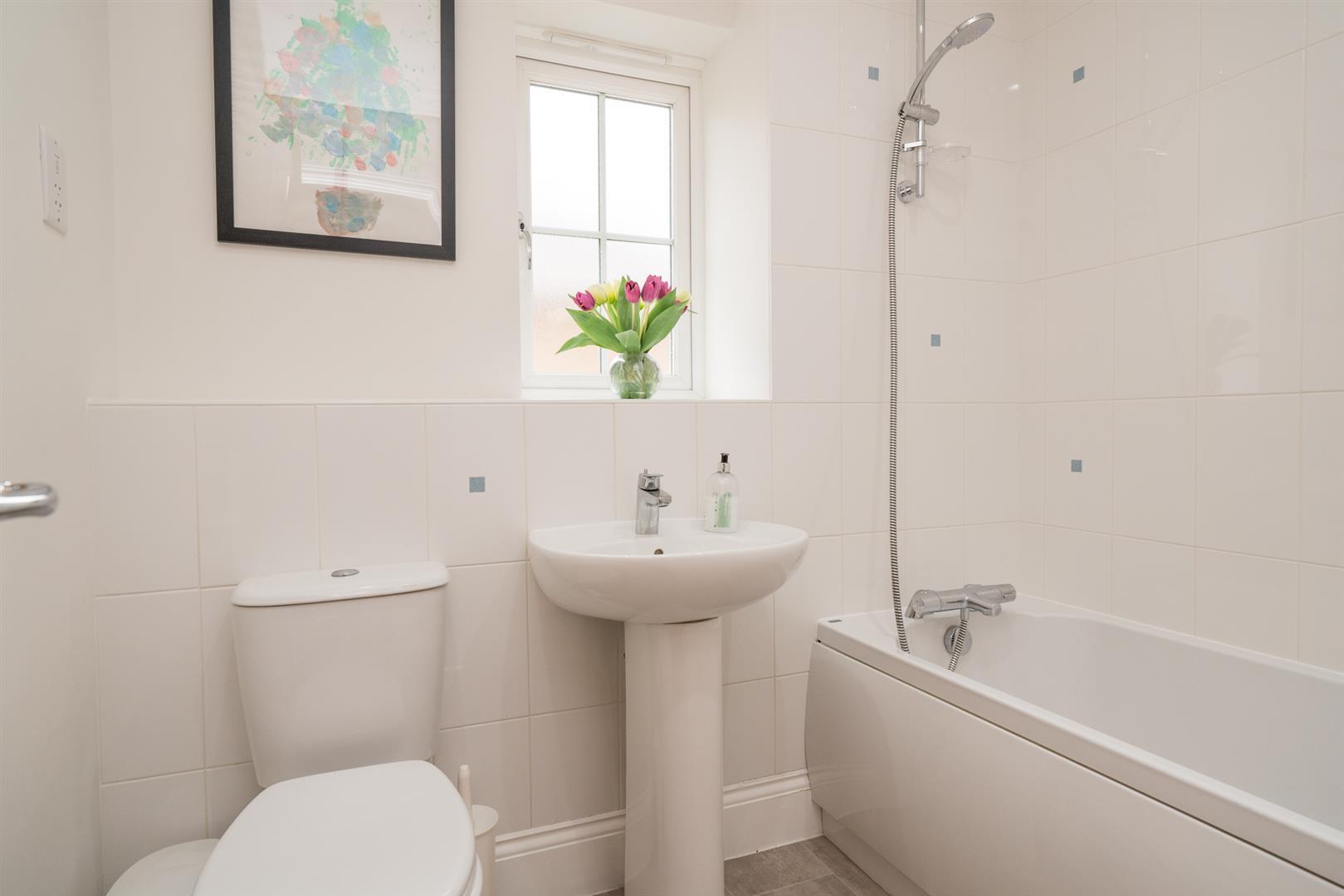 bathroom white.jpg