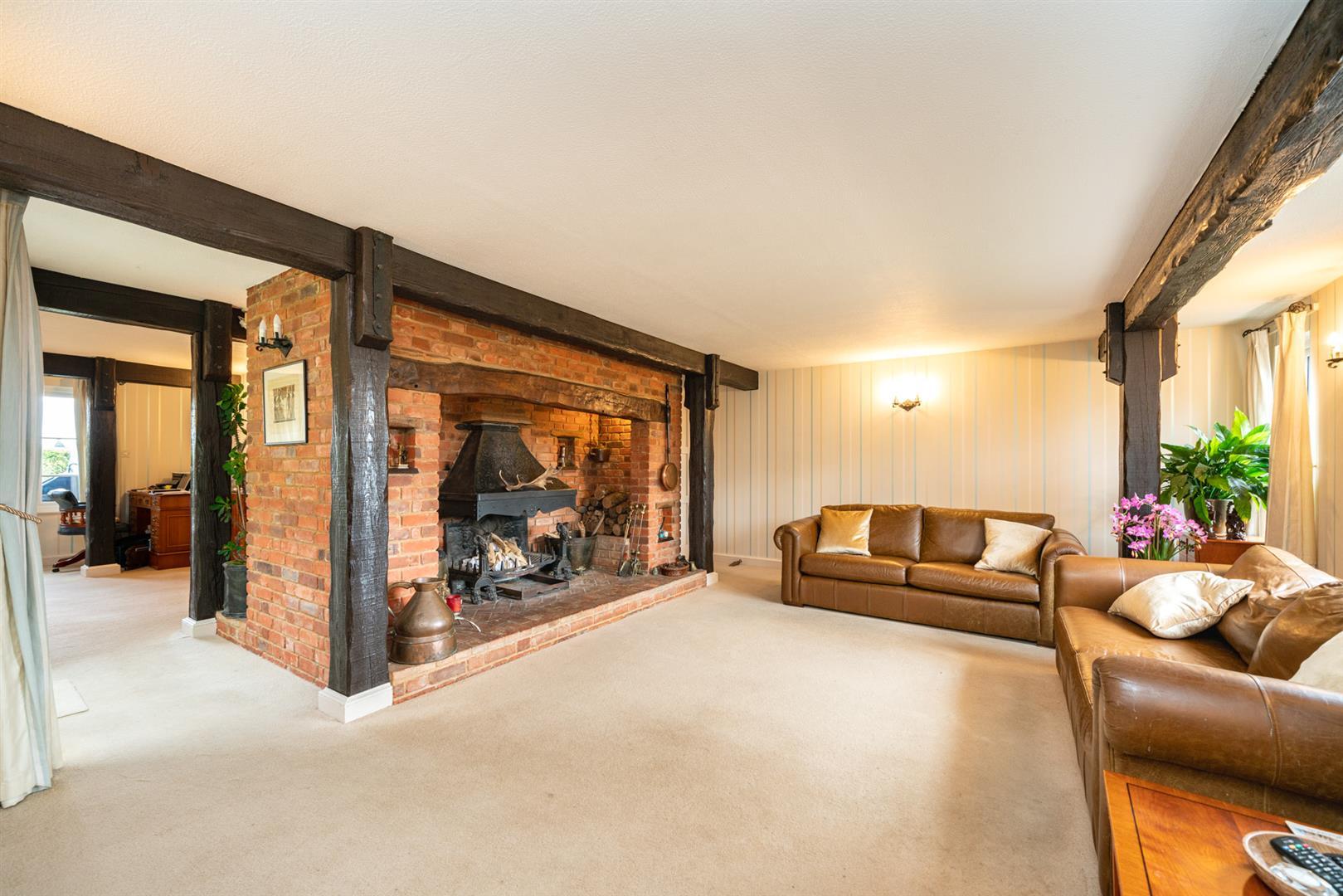 Woodlands-Front lounge 2.jpg