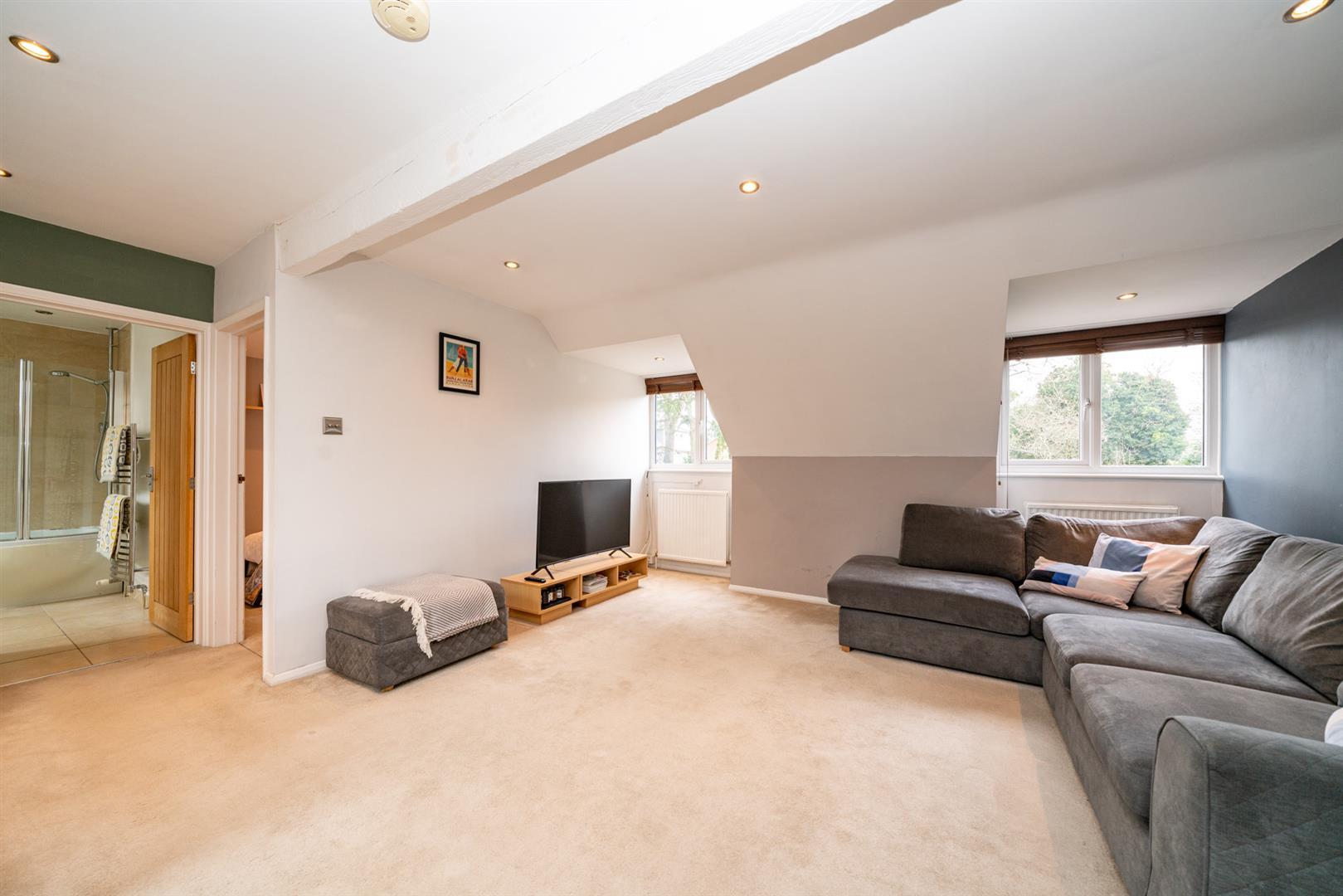 Flat-6-Ruscoe-5108-  living room 1.jpg