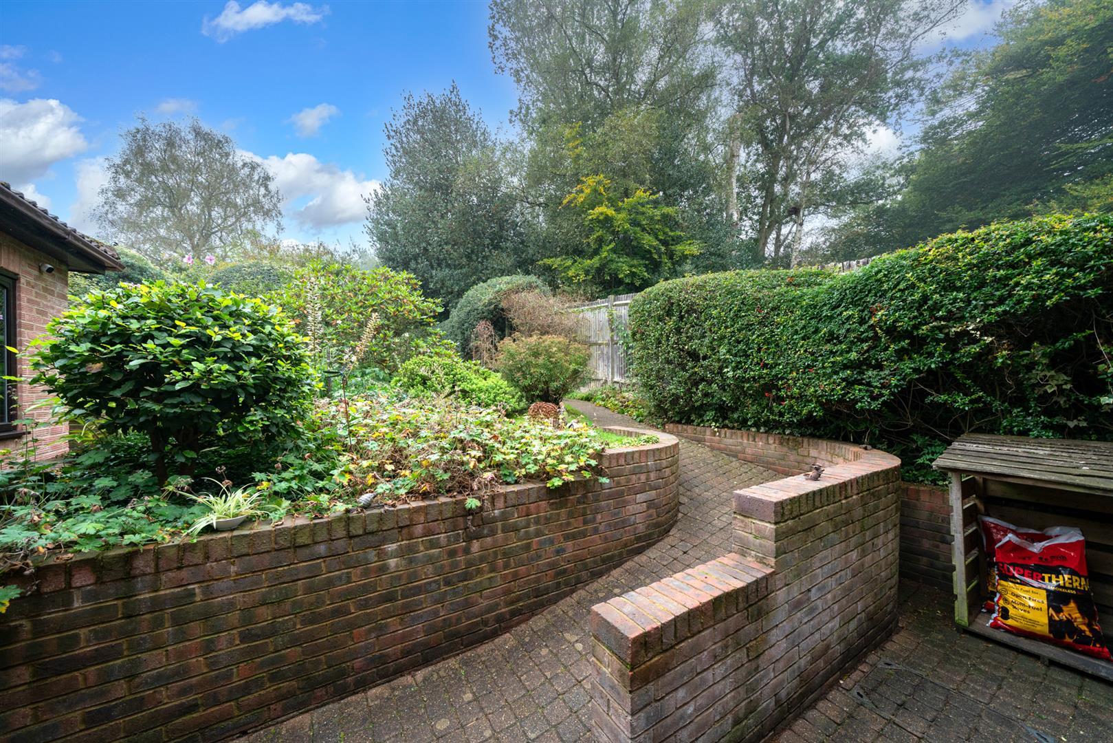 Boundary-Edge-15- garden patio area.jpg