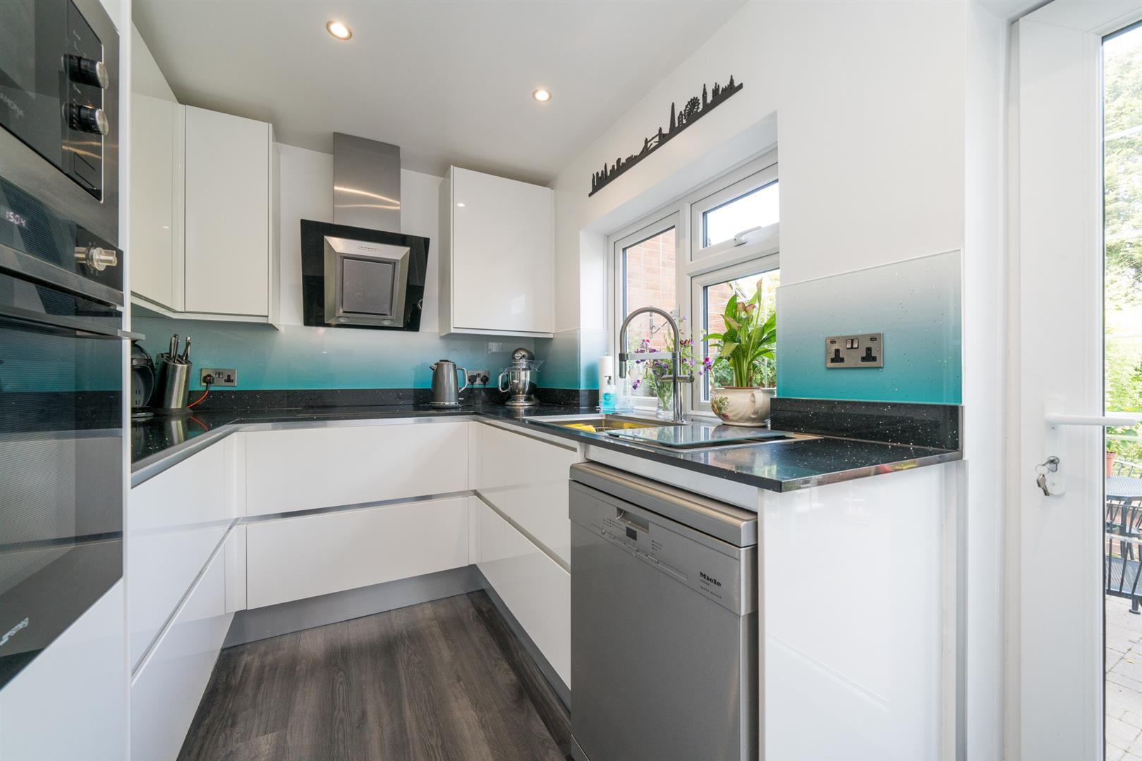12-Ranelagh-Road-1008 (1) - kitchen.jpg