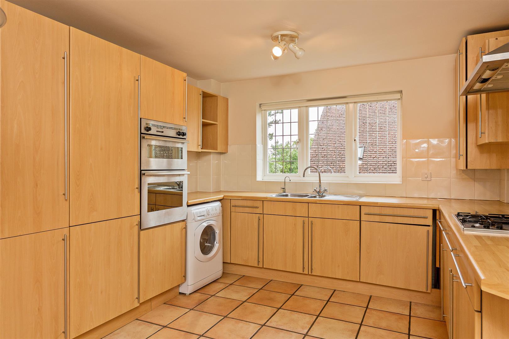 8 Marlborough House  (1) - kitchen.jpg