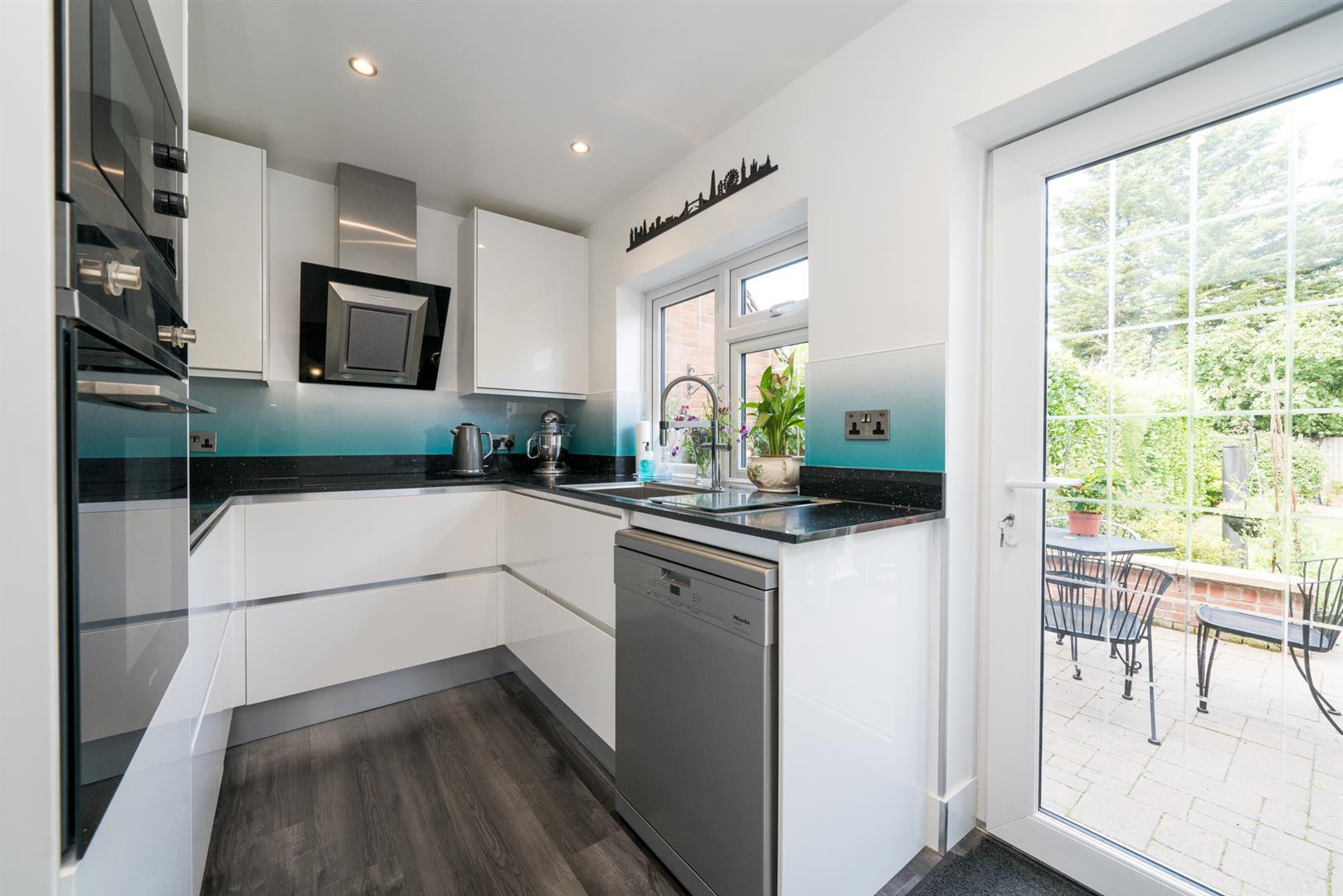 12-Ranelagh-Road-1009 -kitchen.jpg