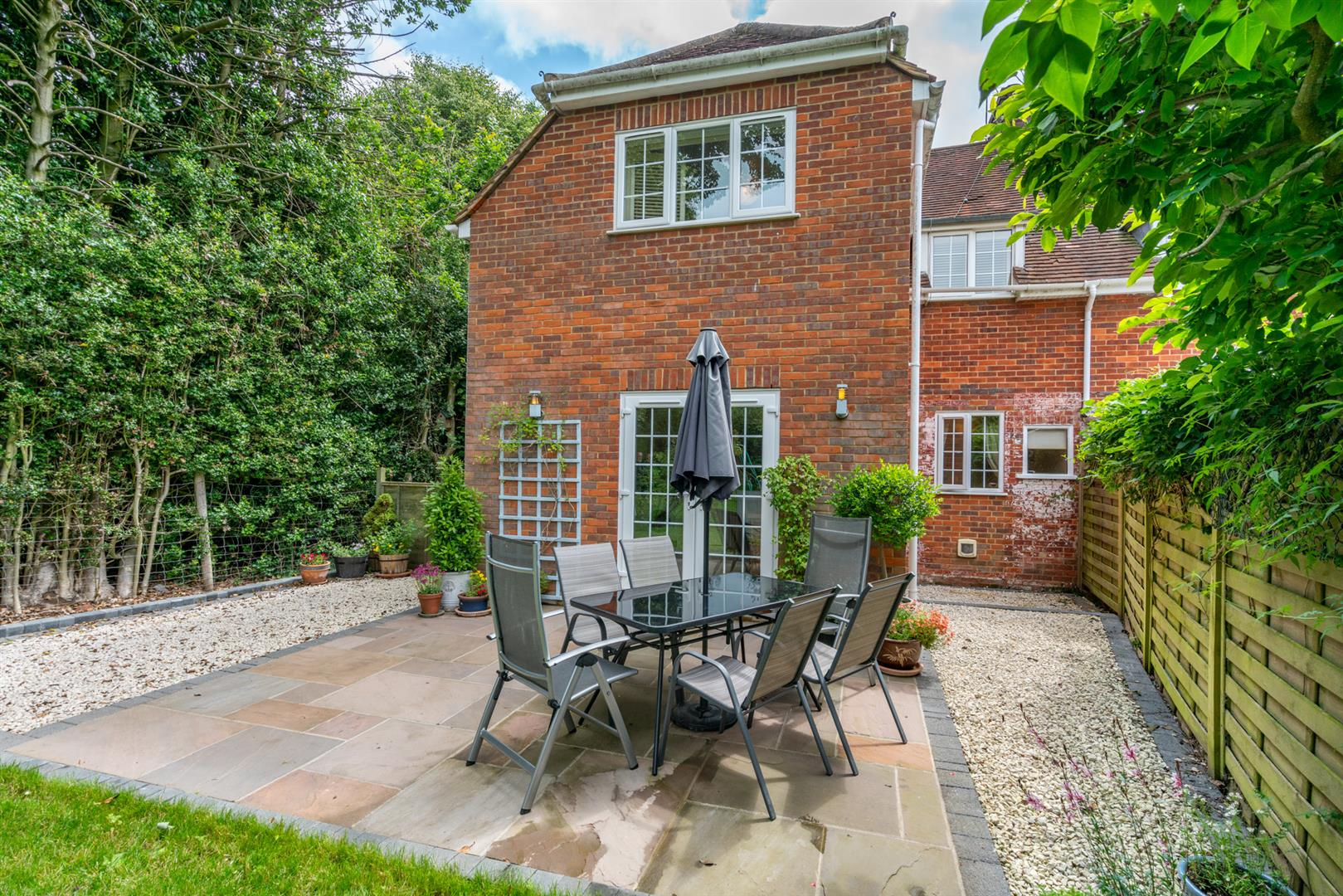 14-Chesham-Road-1421 - patio chair looking back at