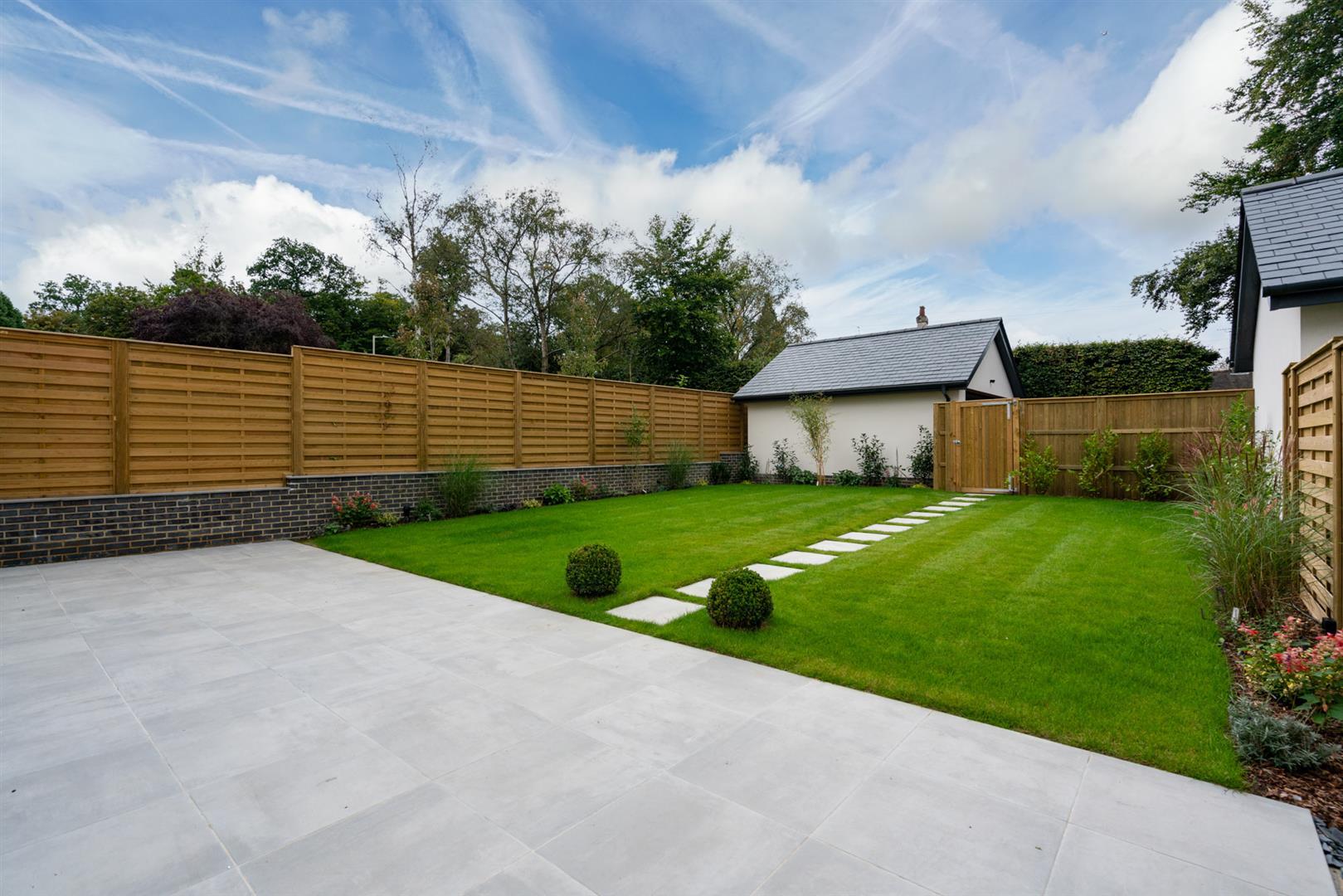 Hillcrest-3 - patio garden.jpg