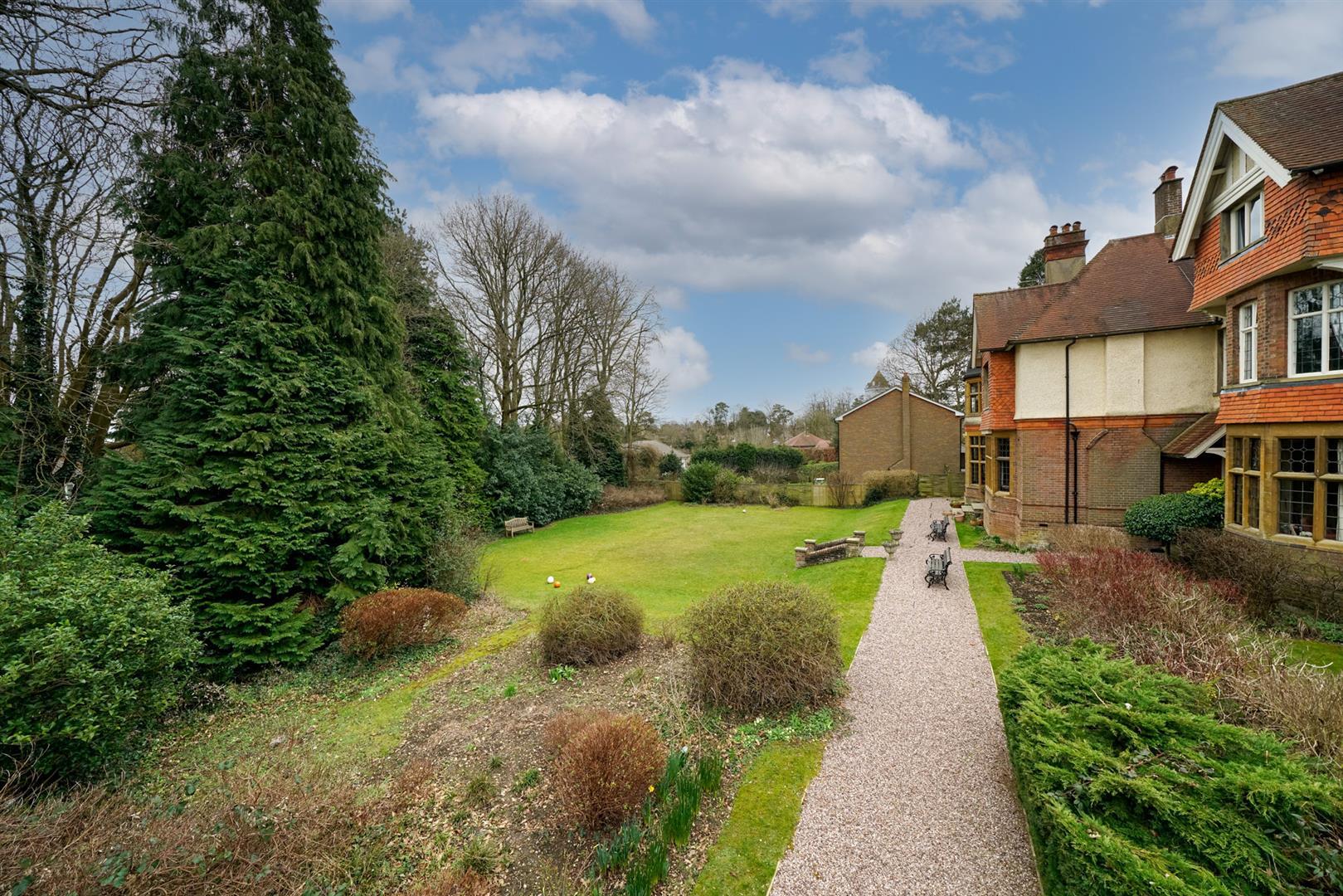 Flat-6-Ruscoe-4-  gardens 1.jpg