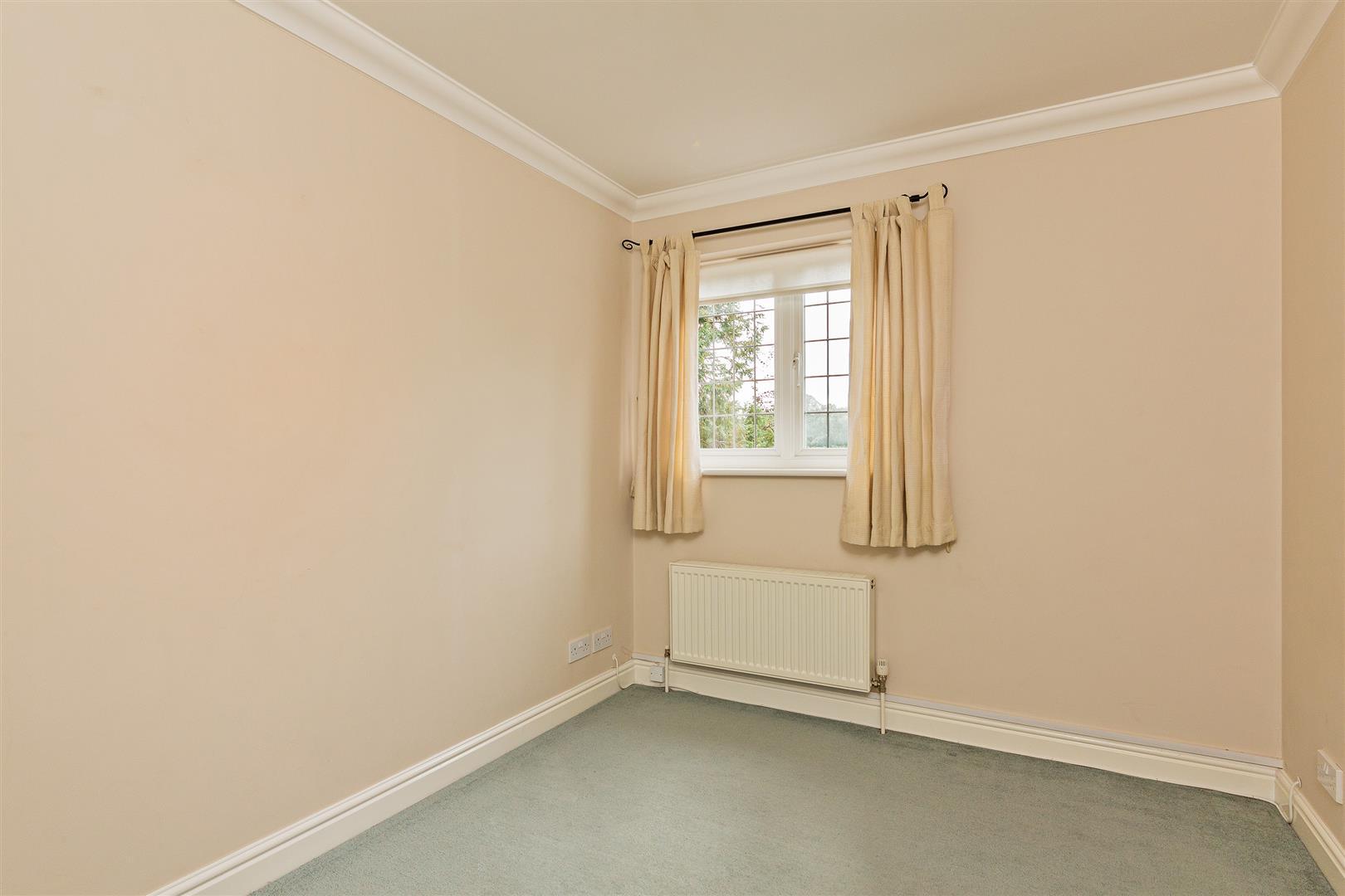8 Marlborough House  (12)-  bed 2.jpg