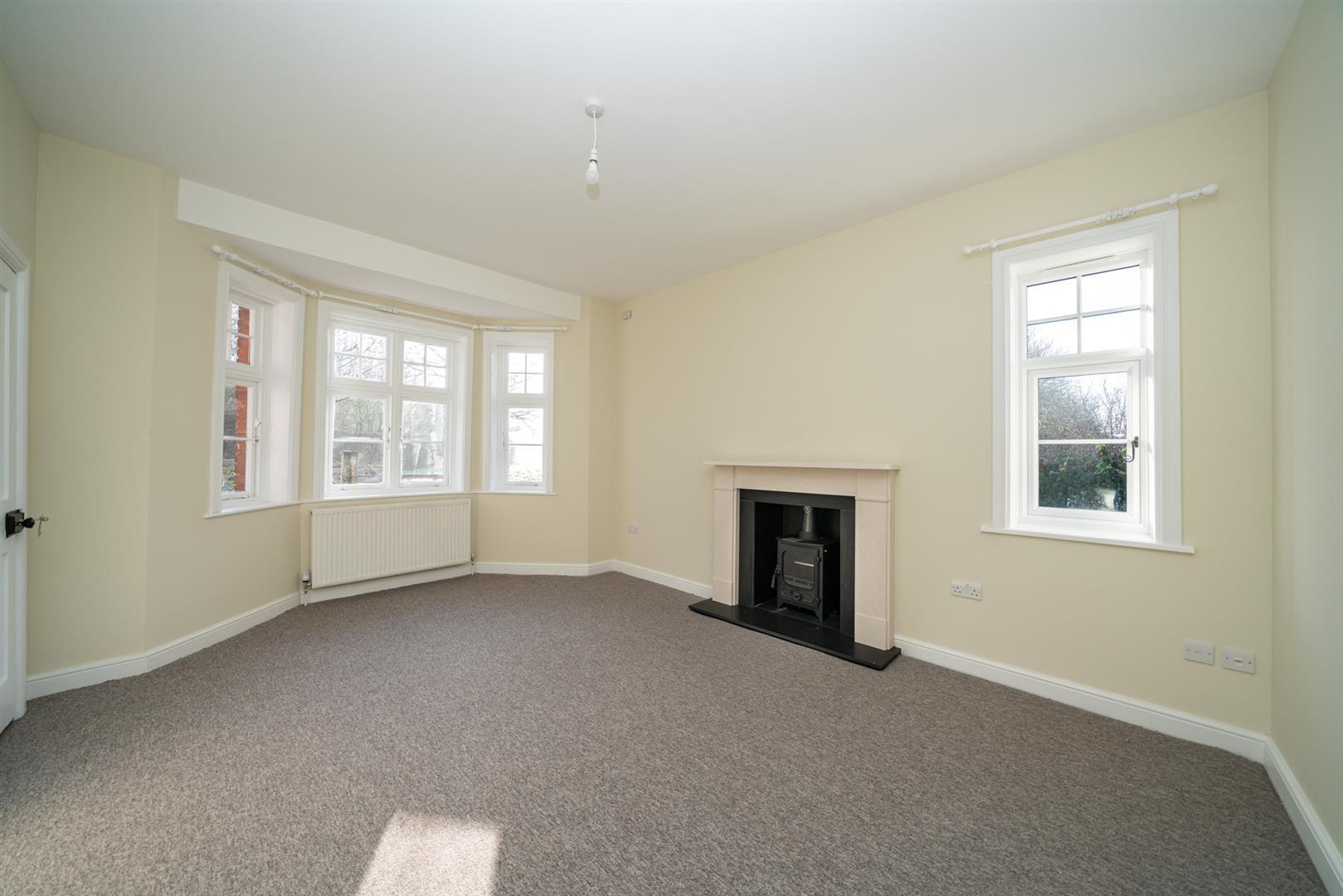 Golden-Parsonage-Lodge-8609 - living room.jpg