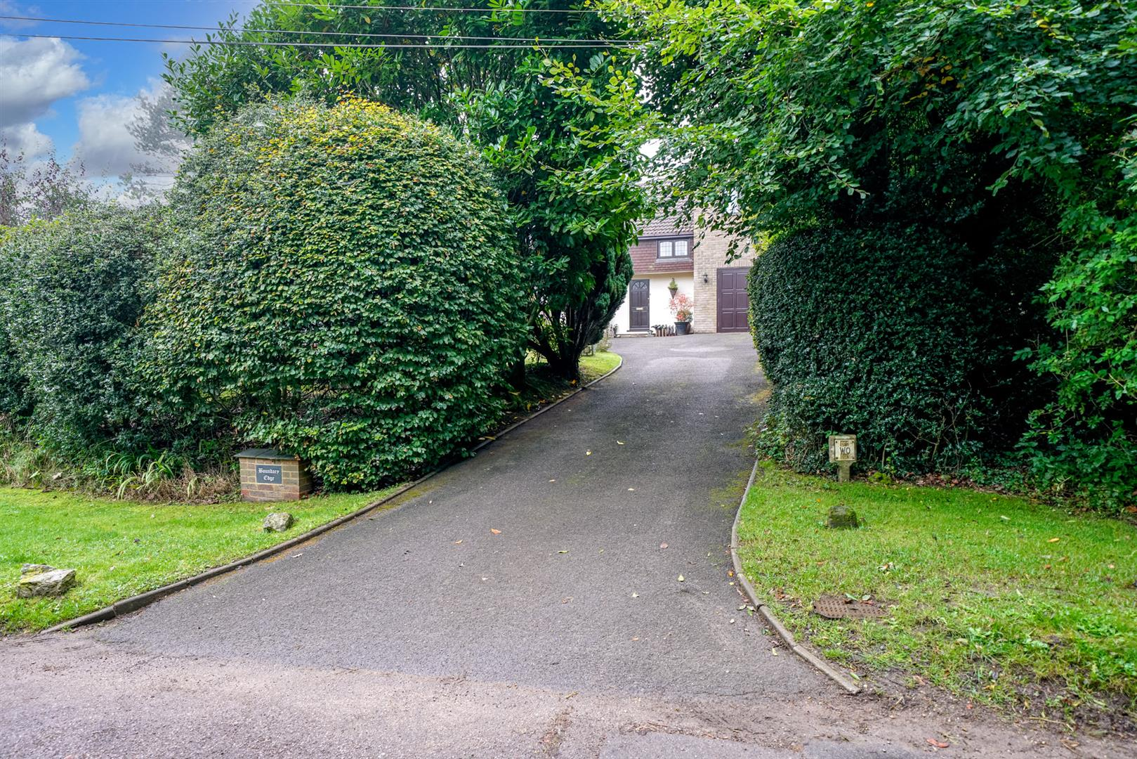 Boundary-Edge-10-  drive from front of road.jpg