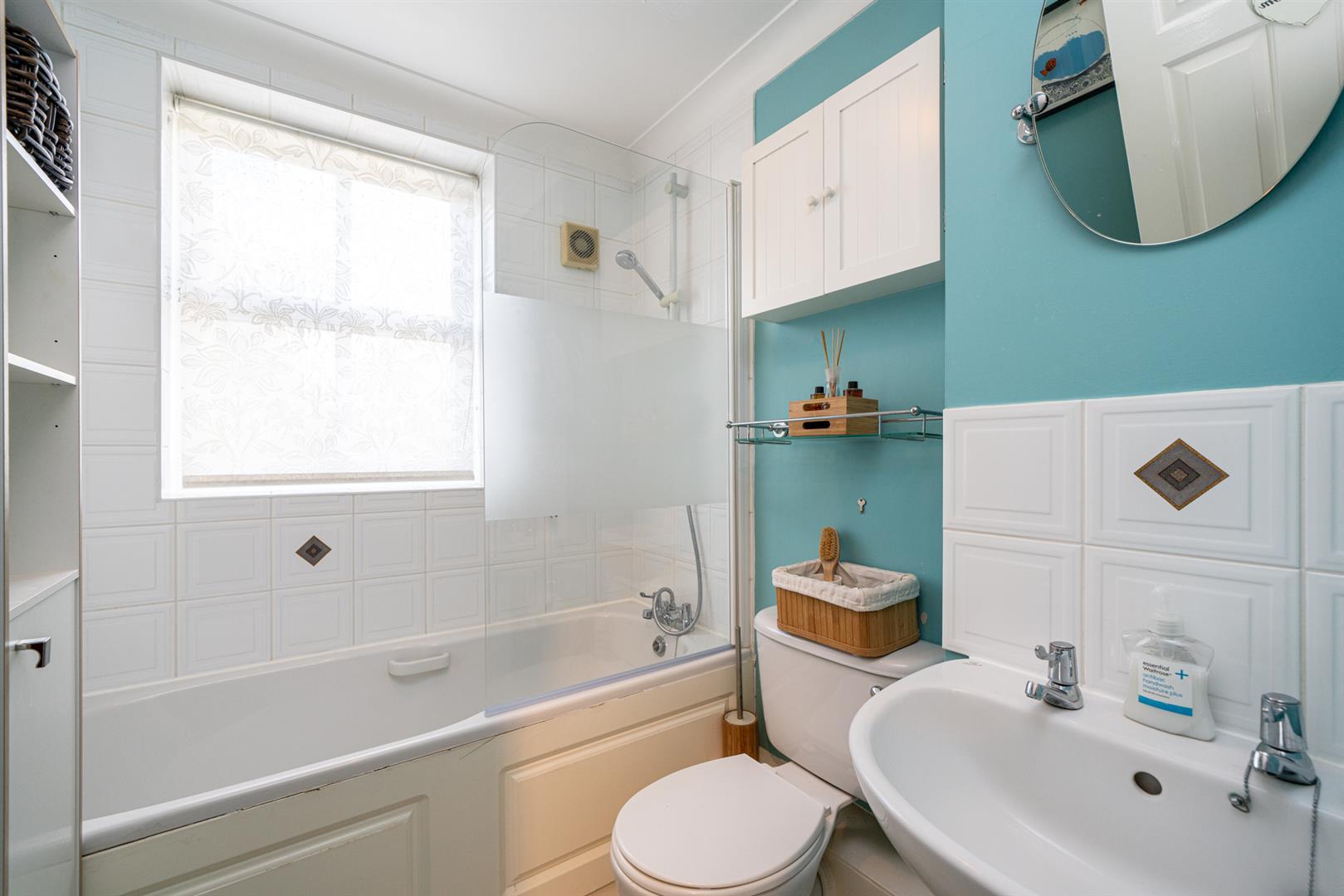 46-Cross-Oak-Road-1013- bathroom.jpg