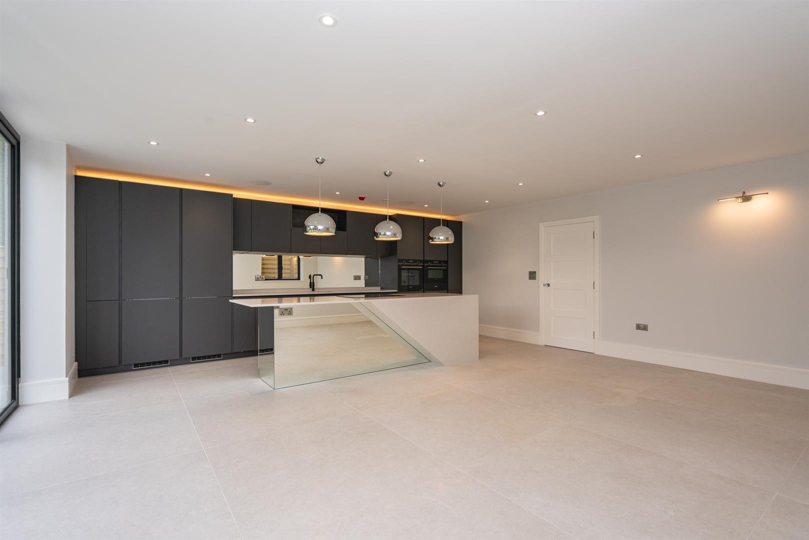Hillcrest-3150 - kitchen diner 1.jpg