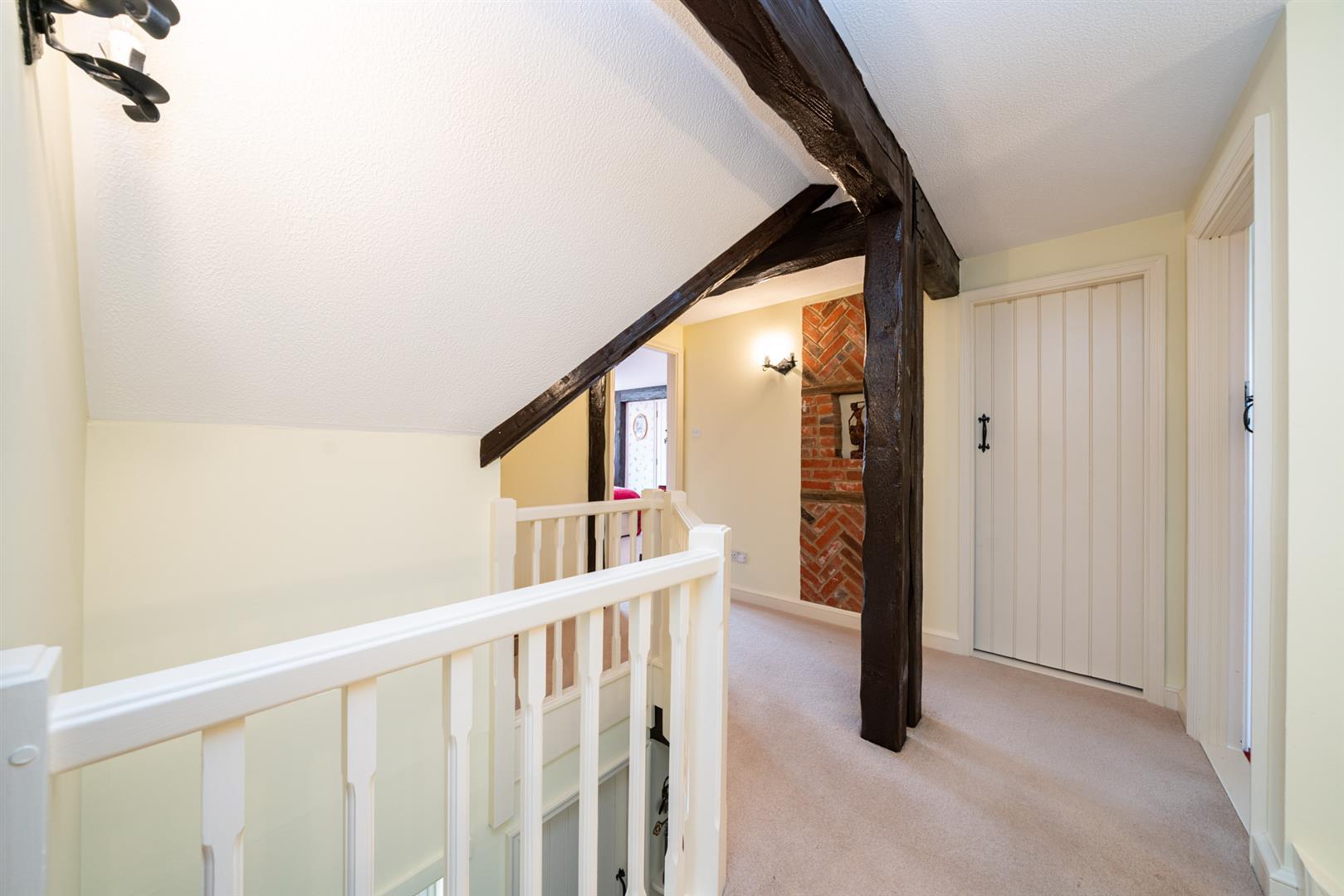 Woodlands-upstairs hall 2.jpg