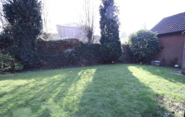 12 tweed close gardens.png