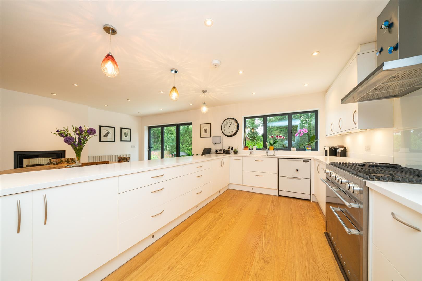 Larchmoor-3011 - kitchen.jpg