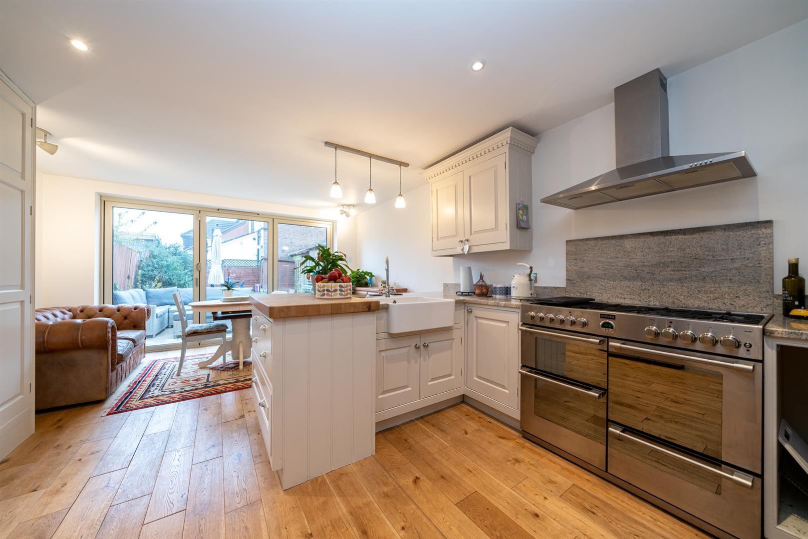 5-Cross-Oak-Road-4644 (1) - kitchen 2.jpg