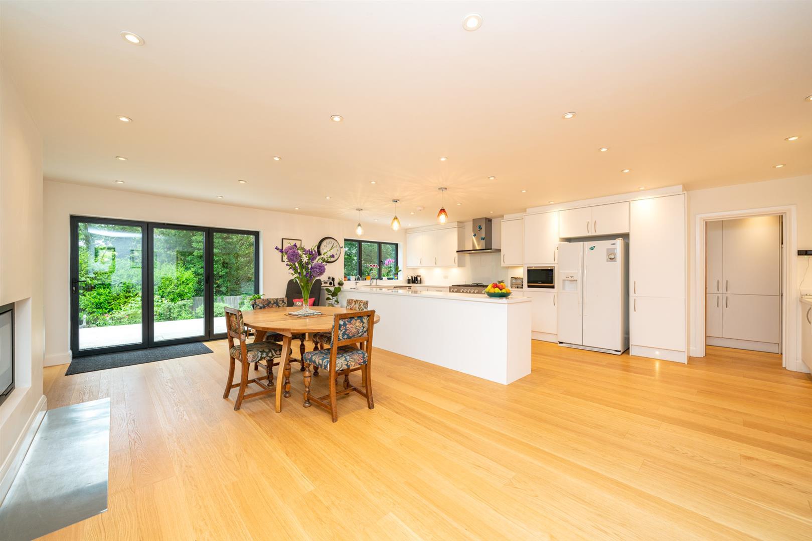 Larchmoor-3005 - dining room.jpg