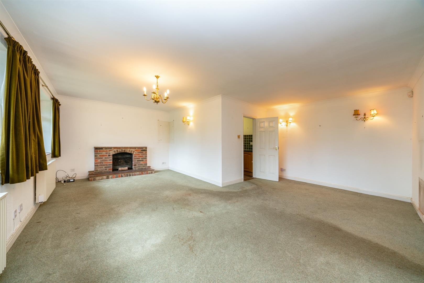 Old-Cottage-Paddock- living room.jpg