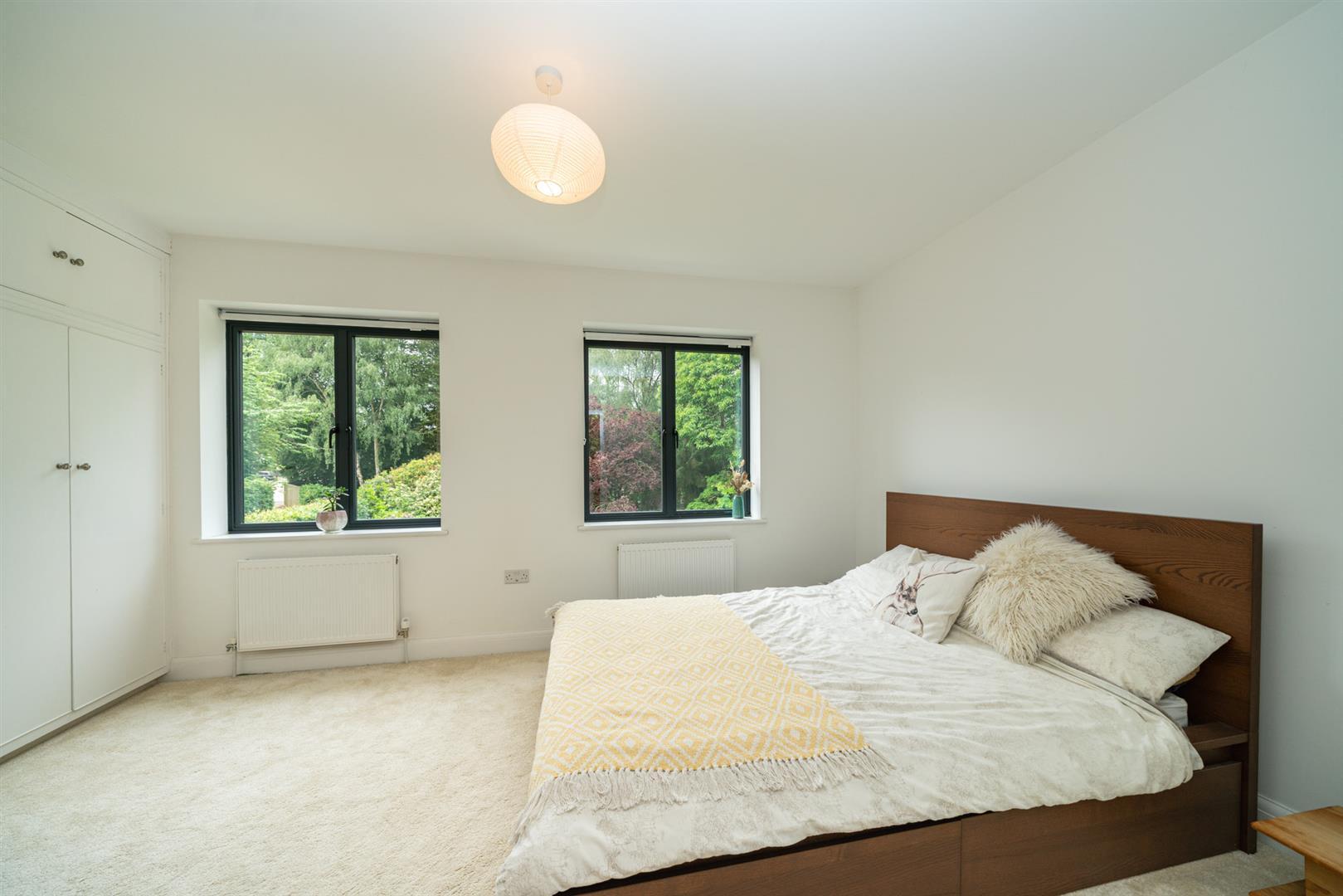 Larchmoor-2896 - guest room.jpg