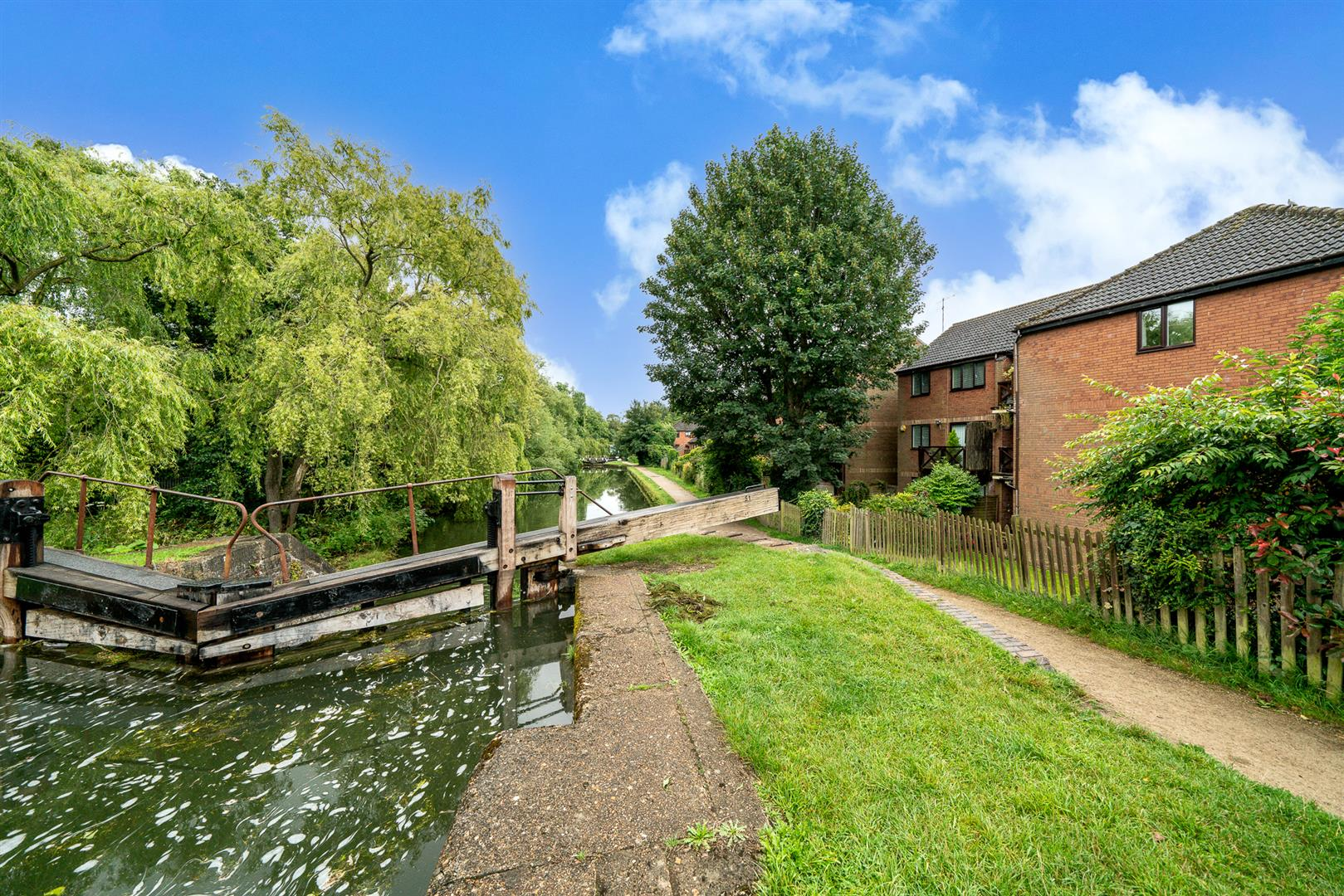 9-Brook-Lane-1018- canal view.jpg