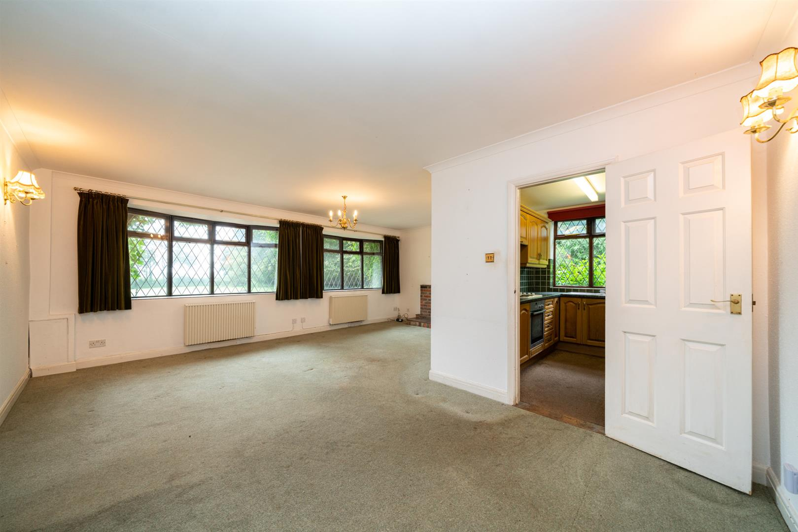Old-Cottage-Paddock-7506 - living kitchen.jpg