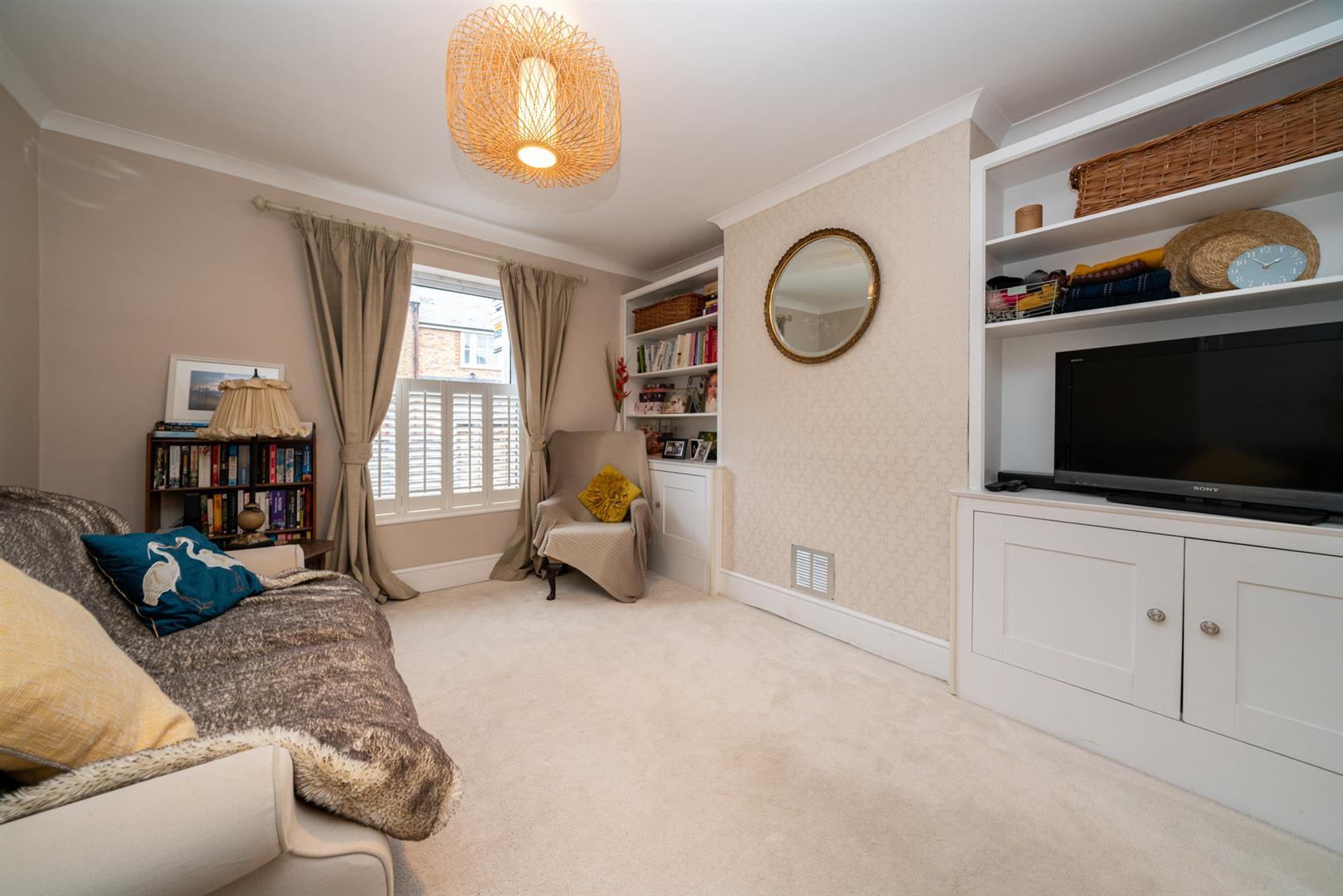 5-Cross-Oak-Road-4620 - living room.jpg