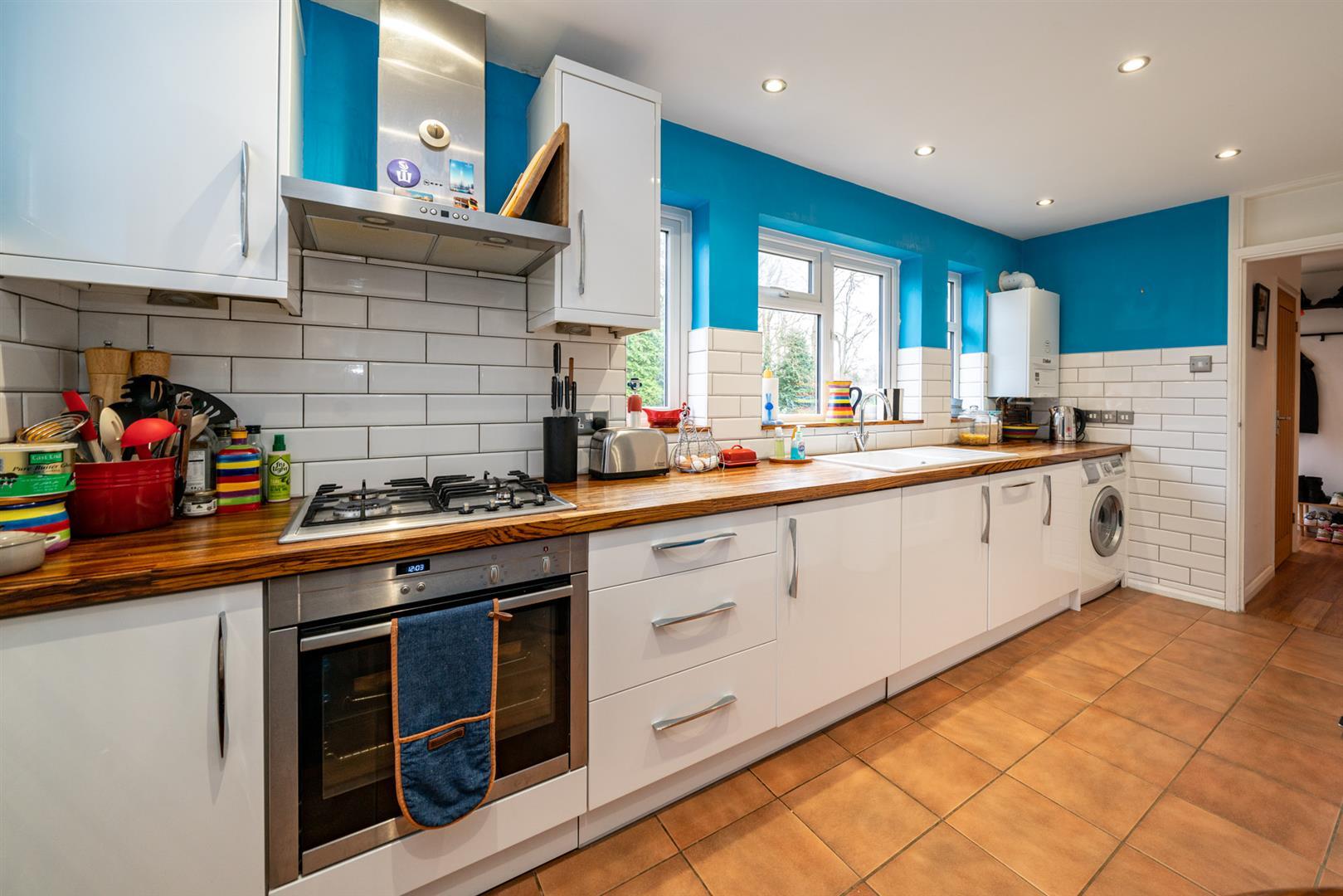 Flat-6-Ruscoe-5087 - kitchen 2.jpg