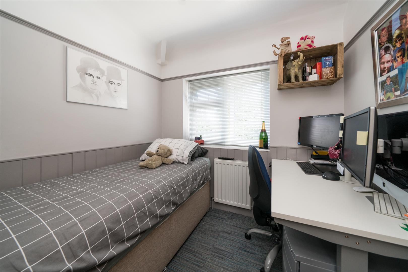 12-Ranelagh-Road-1018 - bed 3.jpg
