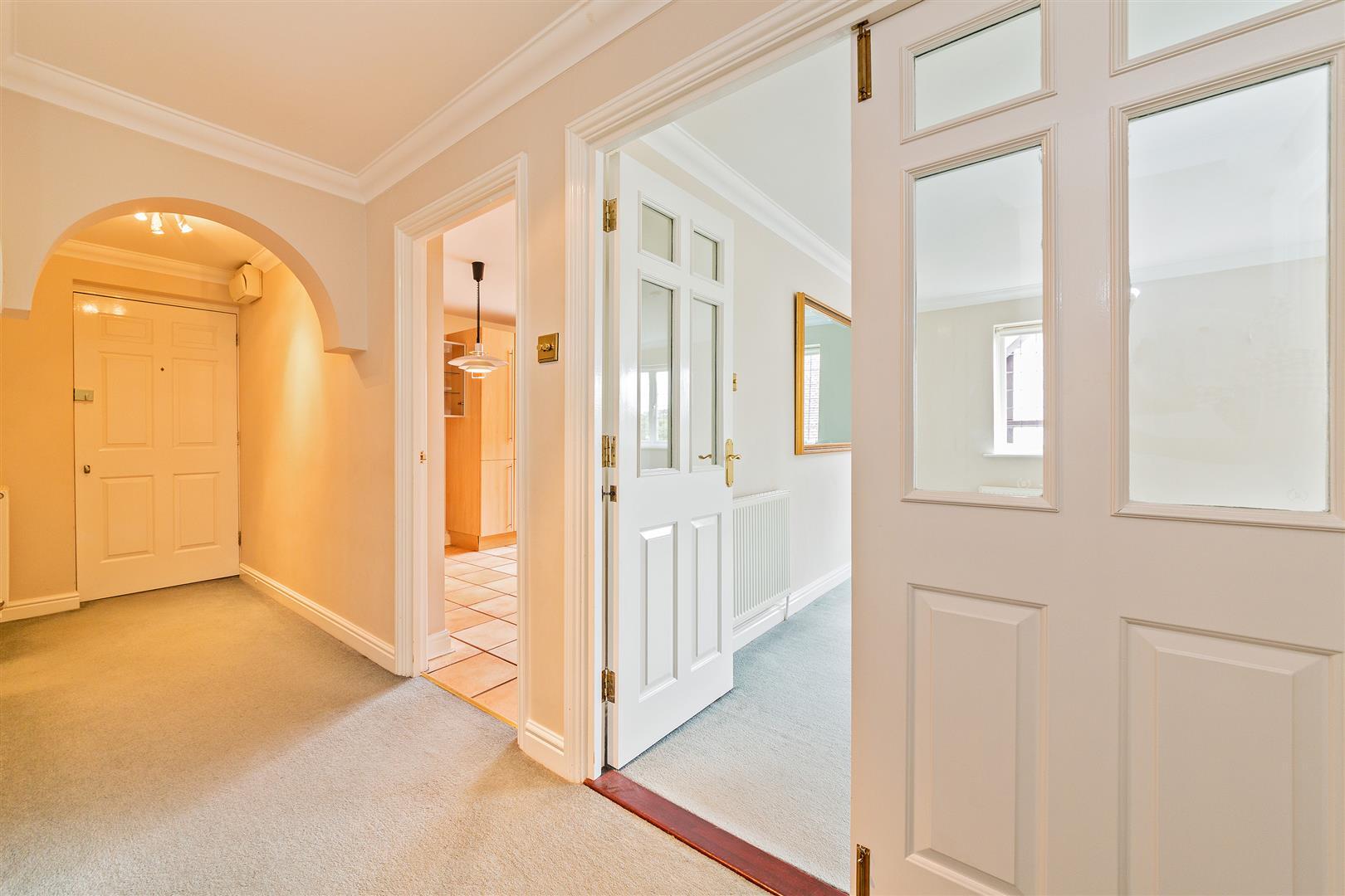 8 Marlborough House  (23) - entrance hall 1.jpg