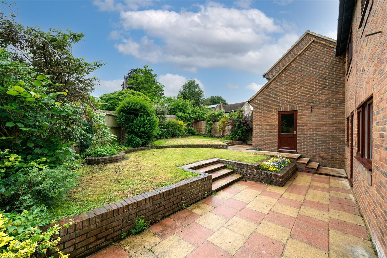 6-Rosehill-2-  garden.jpg