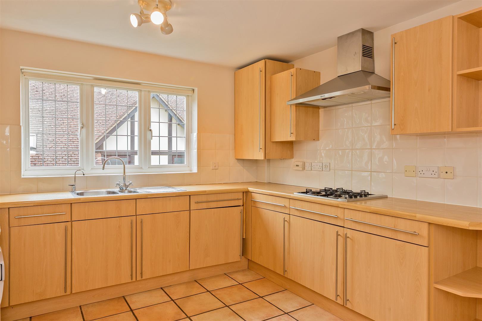 8 Marlborough House  (2) - kitchen 1.jpg