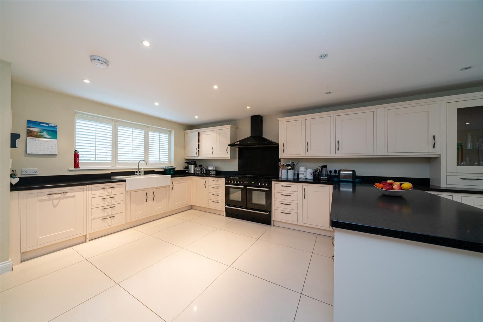 15-Hedgeside-5930 - kitchen 1.jpg