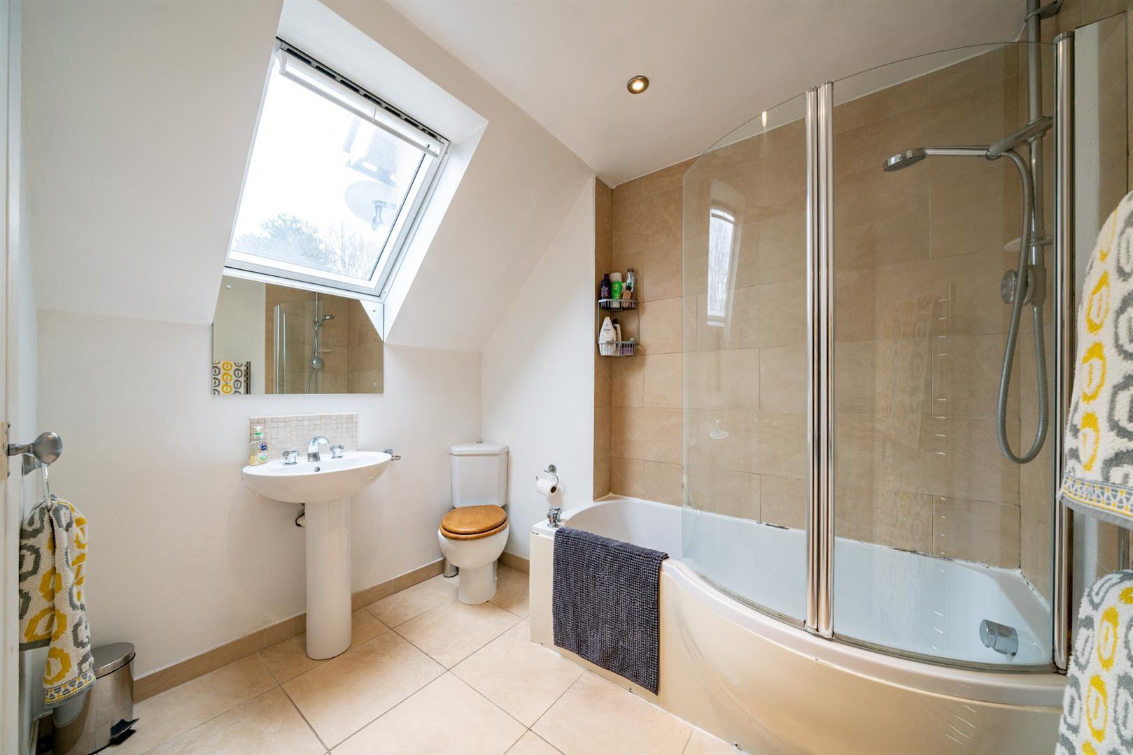 Flat-6-Ruscoe-5072 - bathroom.jpg