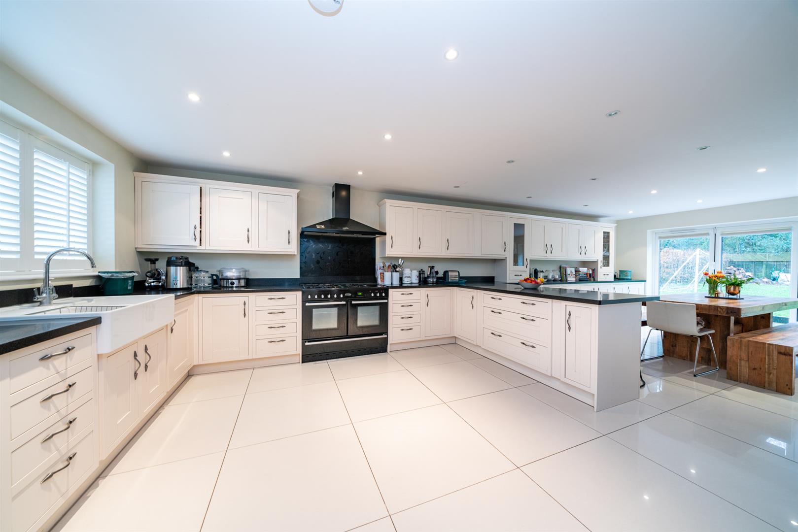 15-Hedgeside-5928 - kitchen.jpg