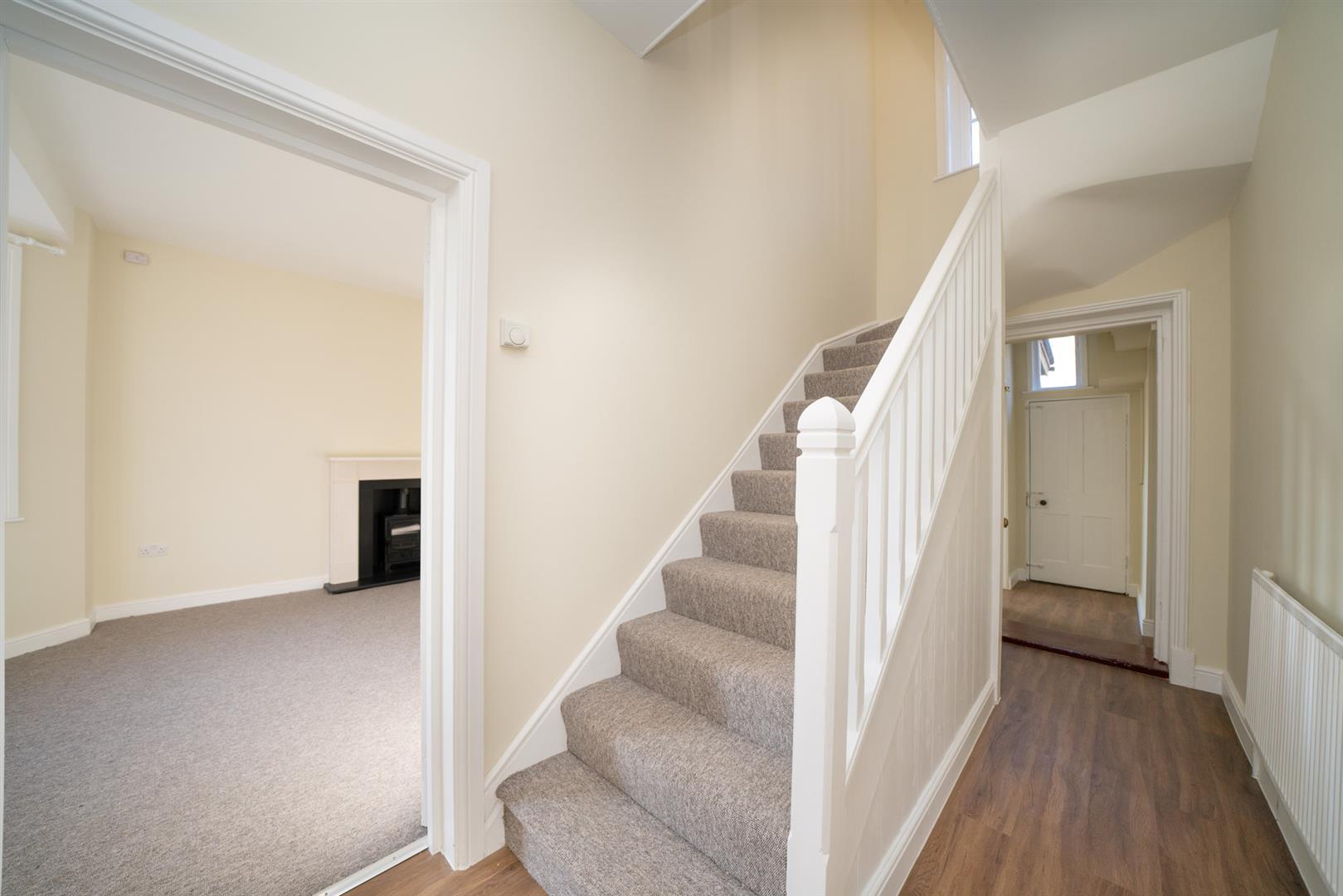 Golden-Parsonage-Lodge-8638 - hallway.jpg