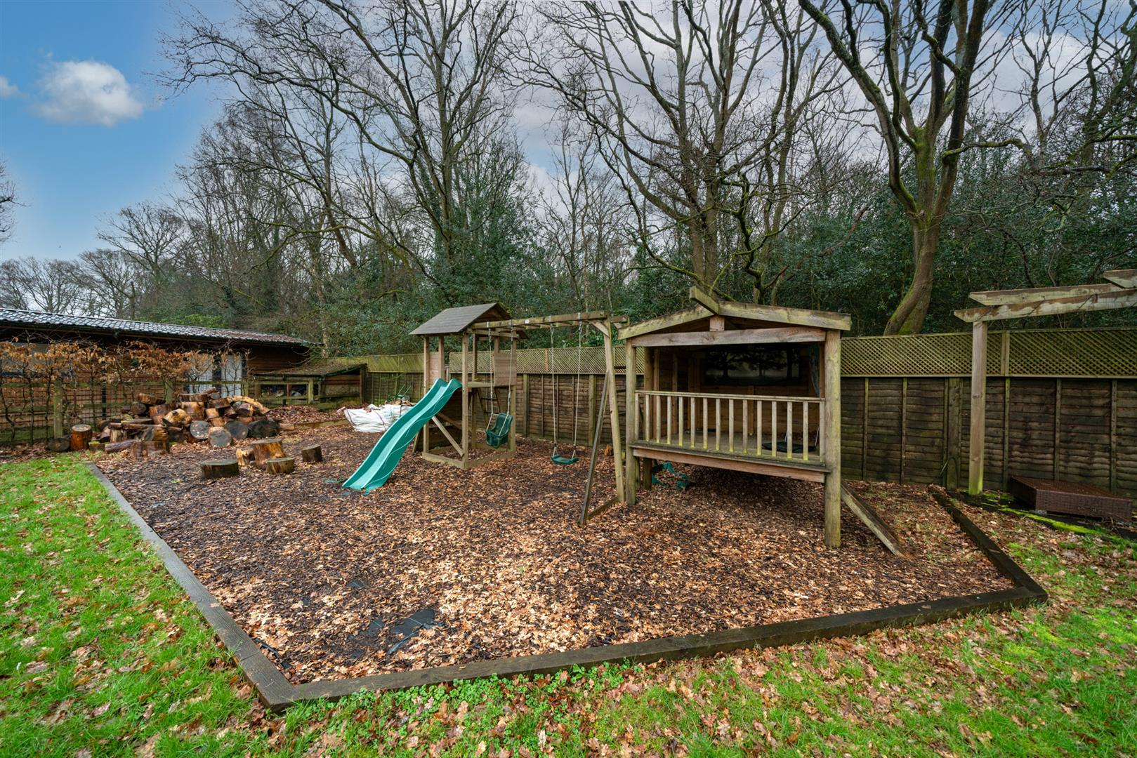 15-Hedgeside-6 - garden play area.jpg