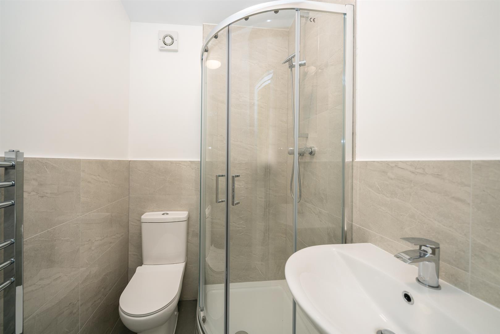 Golden-Parsonage-Lodge-2 - shower room.jpg