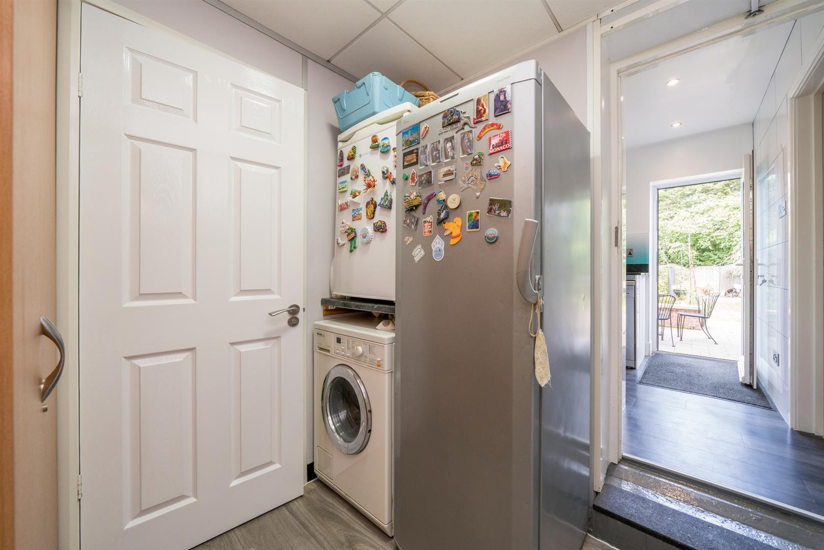 12-Ranelagh-Road-1007 - utility room.jpg