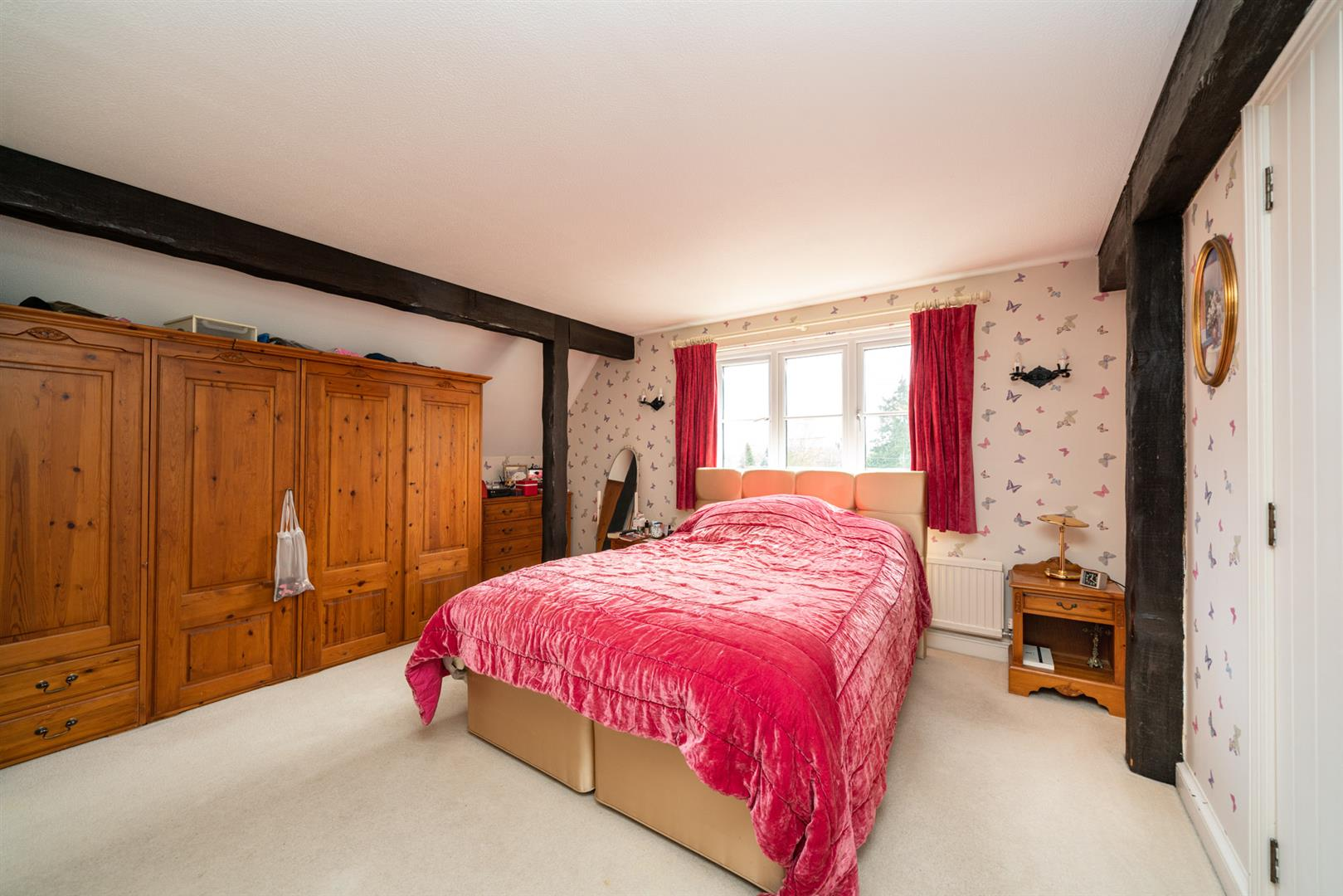 Woodlands-bedroom 2 2.jpg