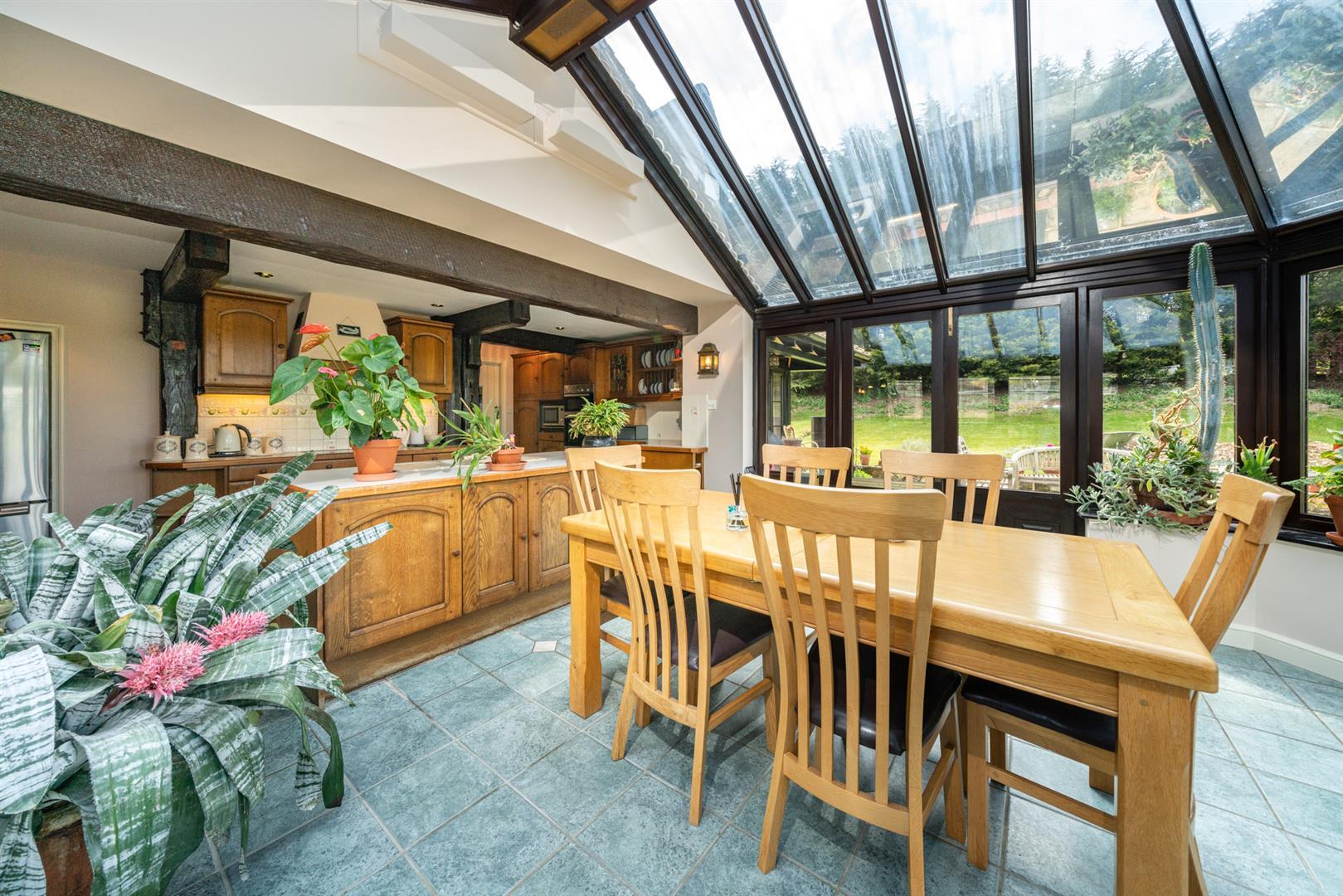 Woodlands-Kitchen Orangerie 4.jpg
