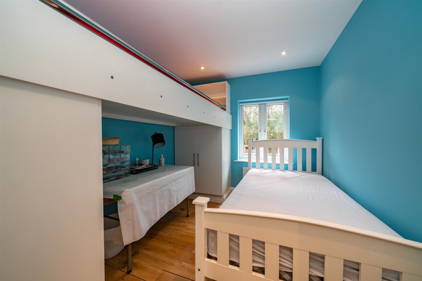 15-Hedgeside-6002 - bed 5.jpg