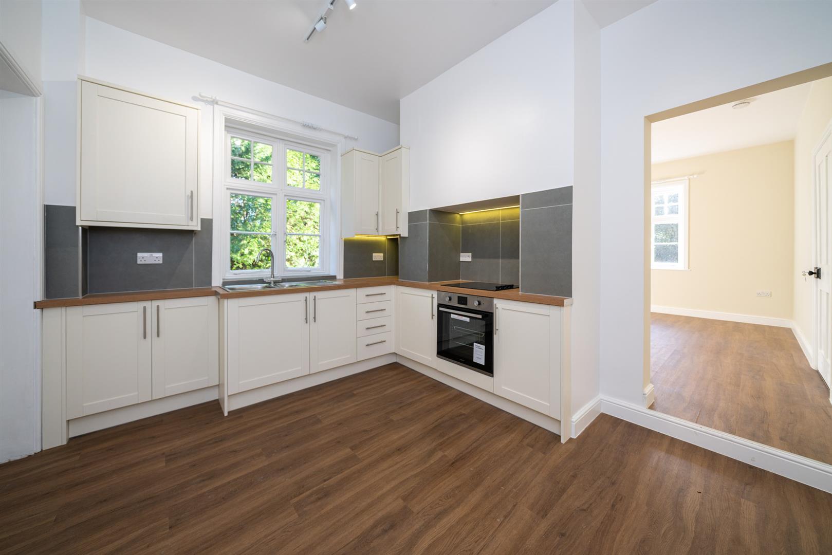 Golden-Parsonage-Lodge-8621 - kitchen.jpg