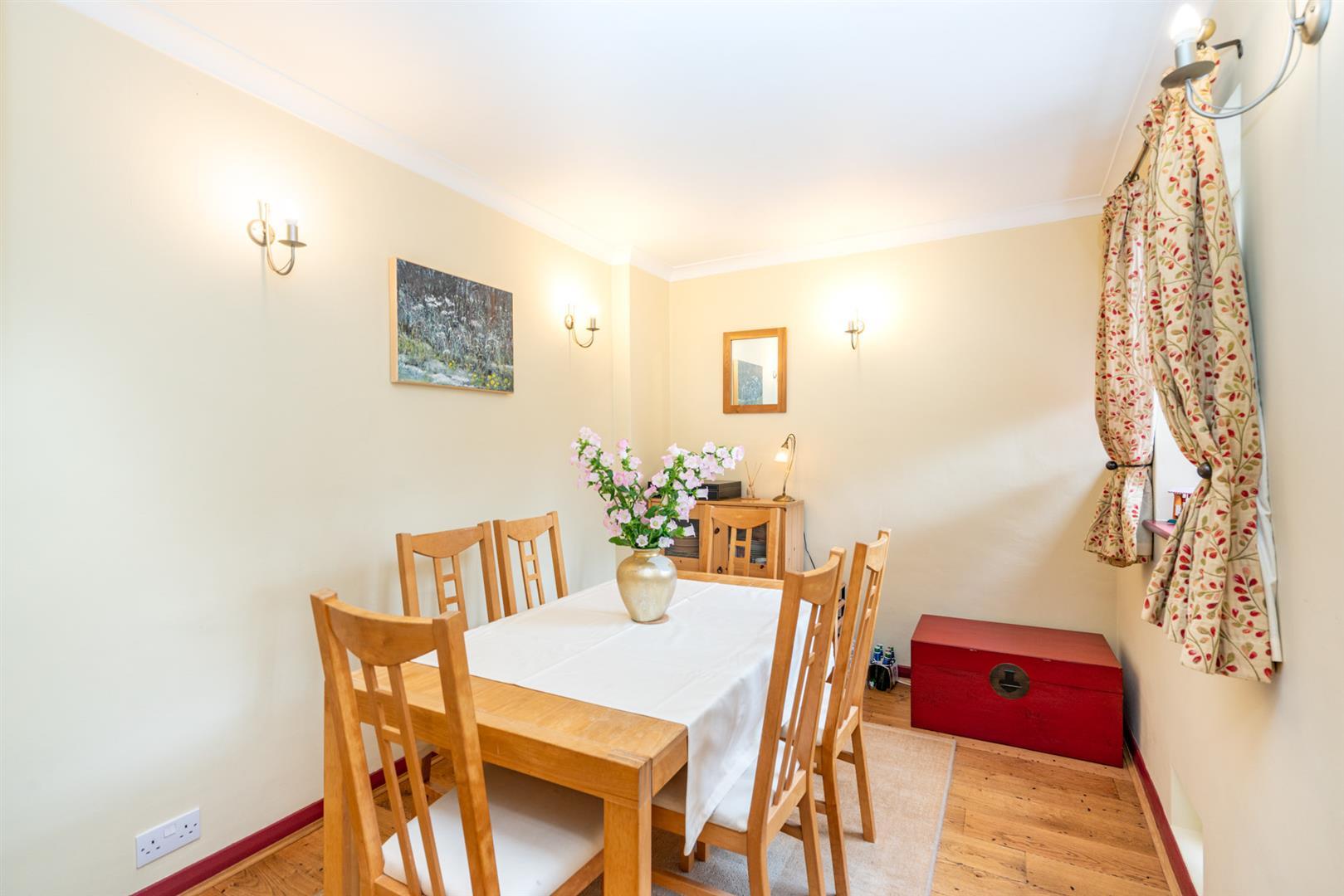 14-Chesham-Road-1385-  dining room.jpg