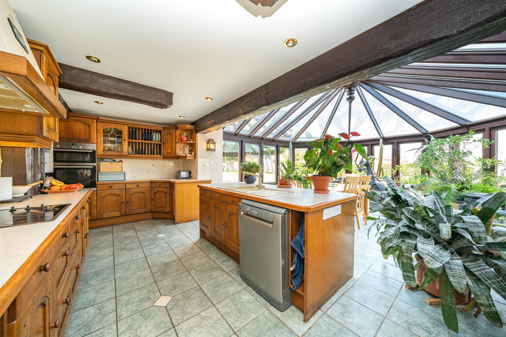 Woodlands-Kitchen 3.jpg