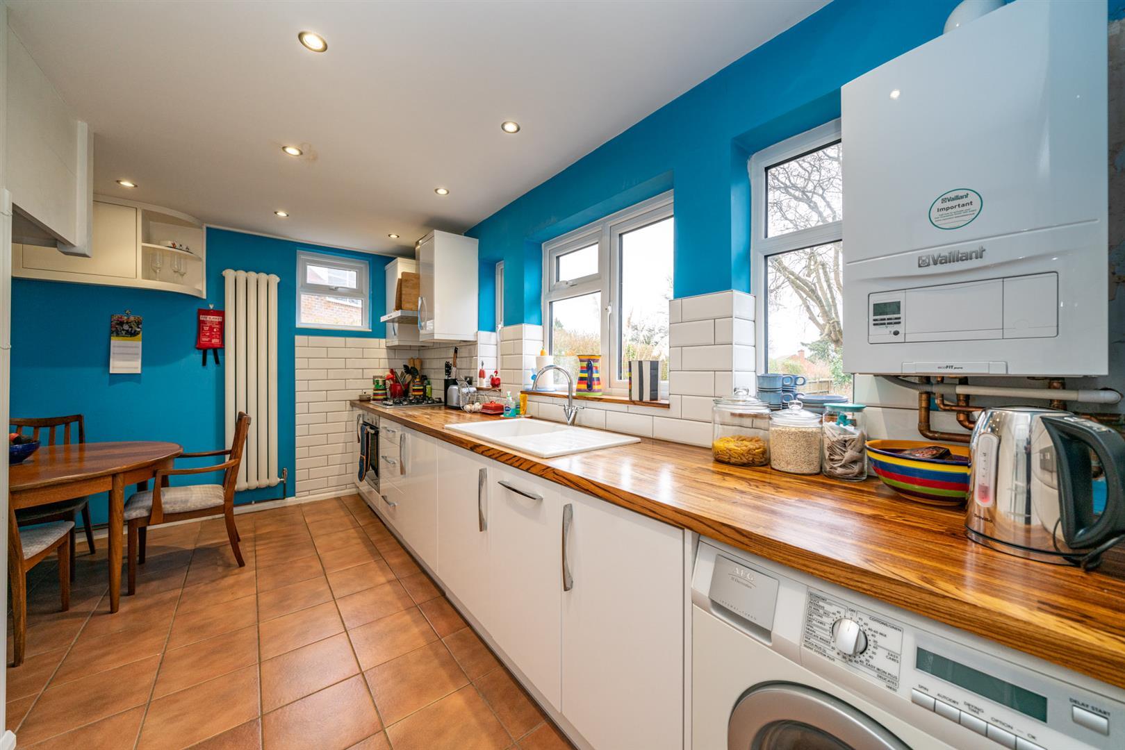 Flat-6-Ruscoe-5079 - kitchen 1.jpg