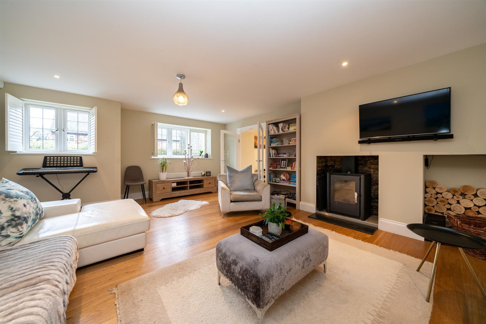 15-Hedgeside-5970 - living room 1.jpg