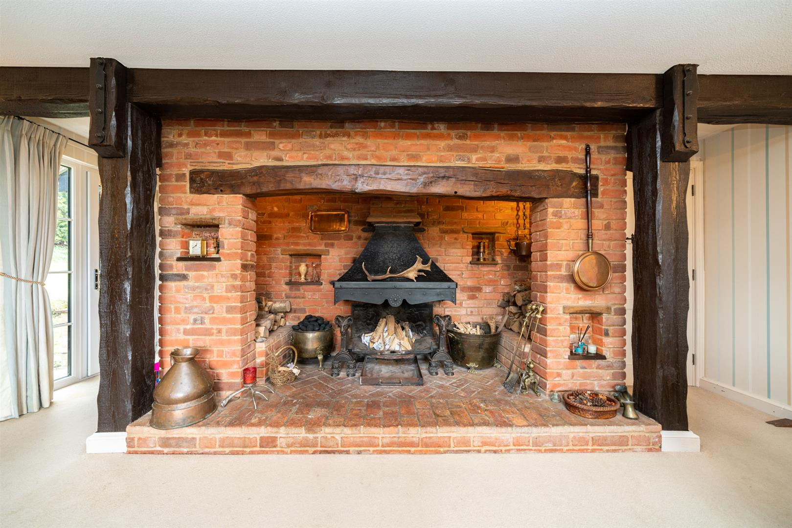 Woodlands-Fireplace 2.jpg