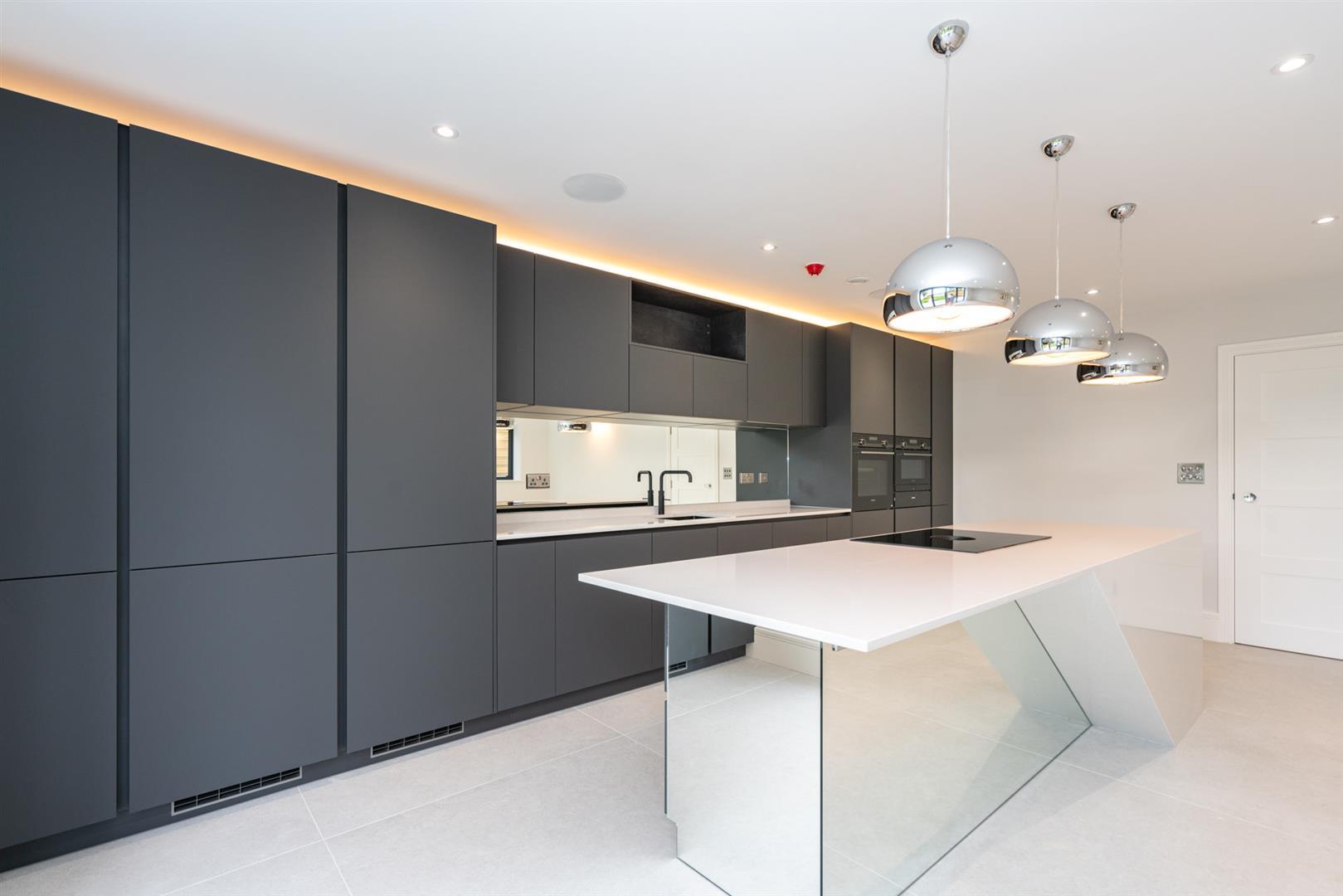 Hillcrest-3153 - kitchen.jpg