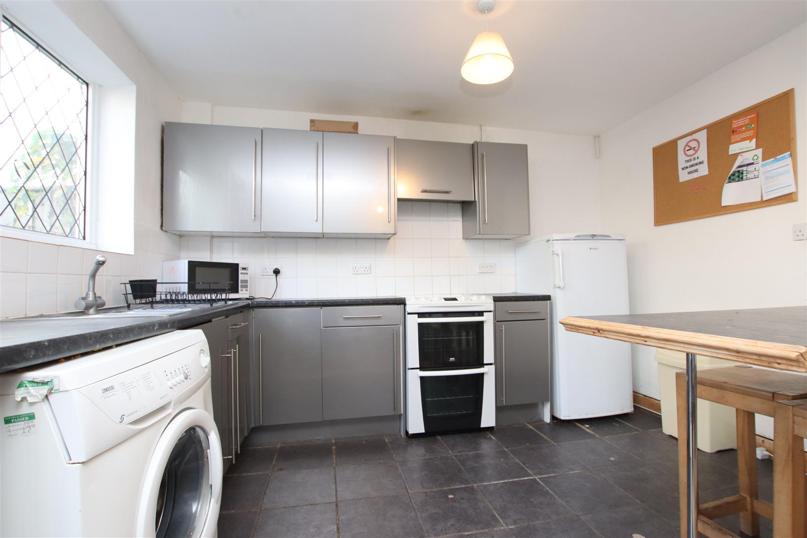 Room to Rent, Stanway Close, Bath, BA2