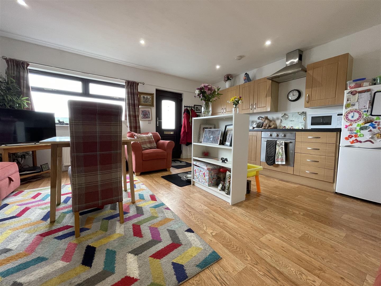 Guest Kitchen/Sitting room