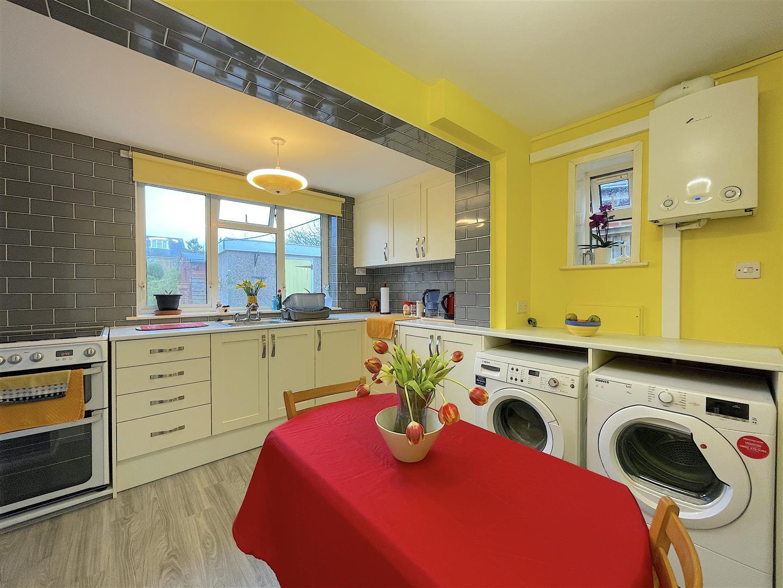 Kitchen (1).jpeg